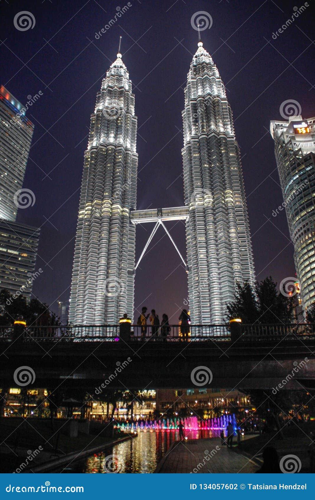 Le torri gemelle famose di Petronas