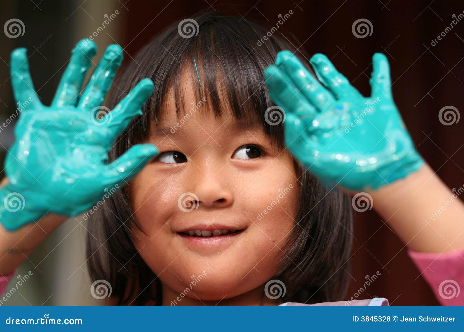 Le travail d enfant et de peinture