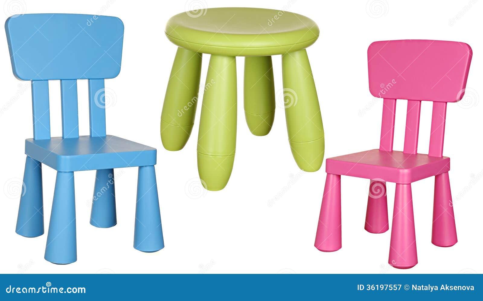 Sedie In Plastica Stock.Le Tre Sedie Di Plastica Dei Bambini Isolate Su Bianco Immagine