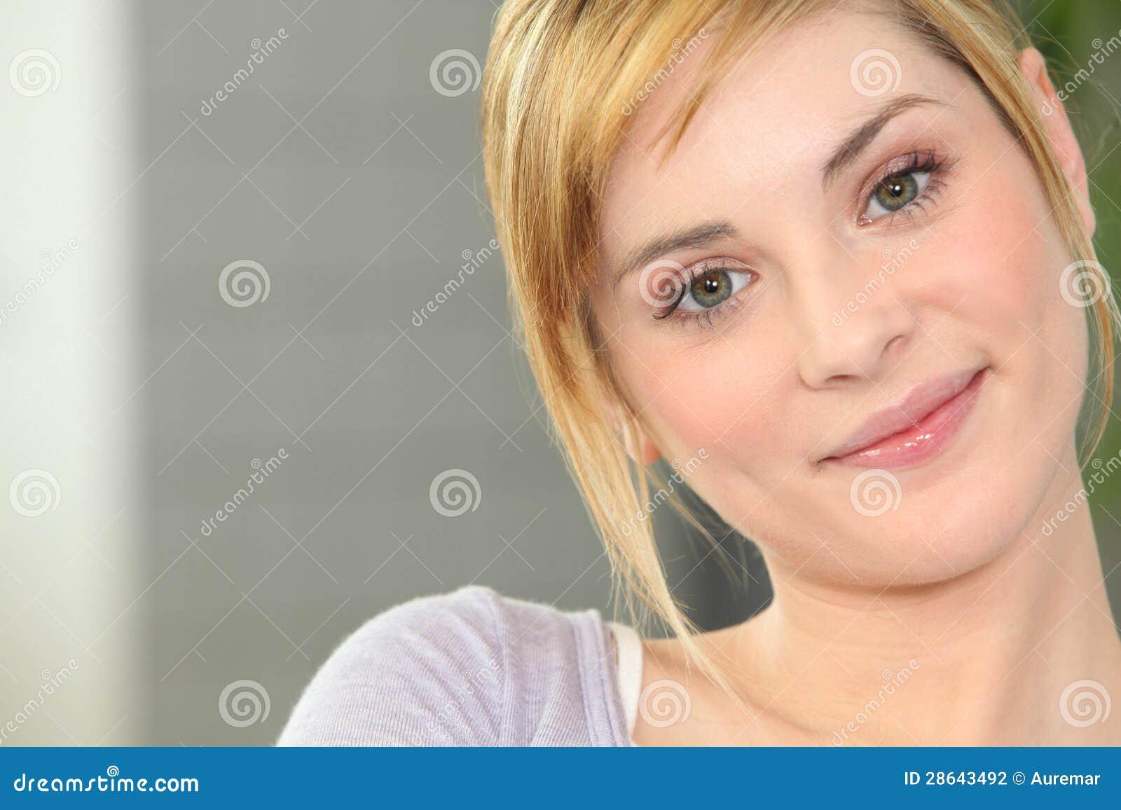 Le ung kvinna