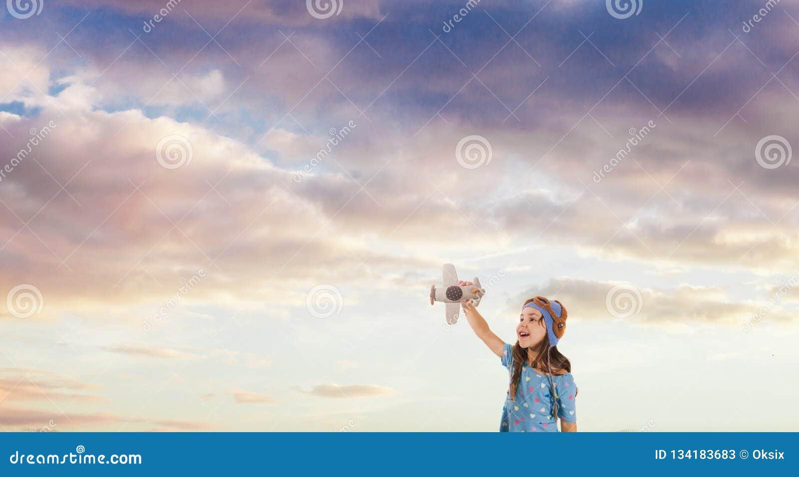 Le ungen som drömmer av att bli en pilot, begrepp för framtida utveckling