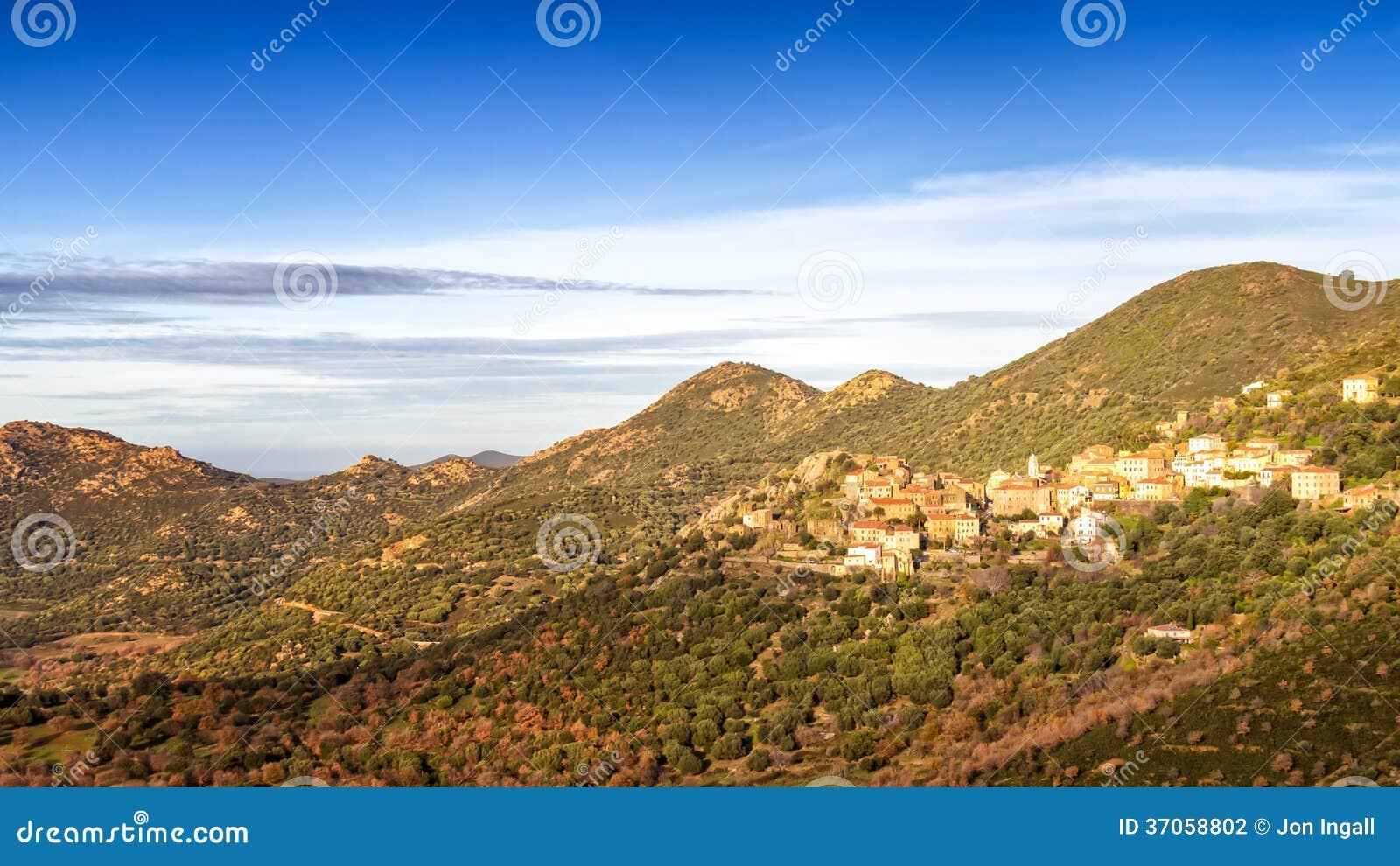 Le village de Belgodere en Corse