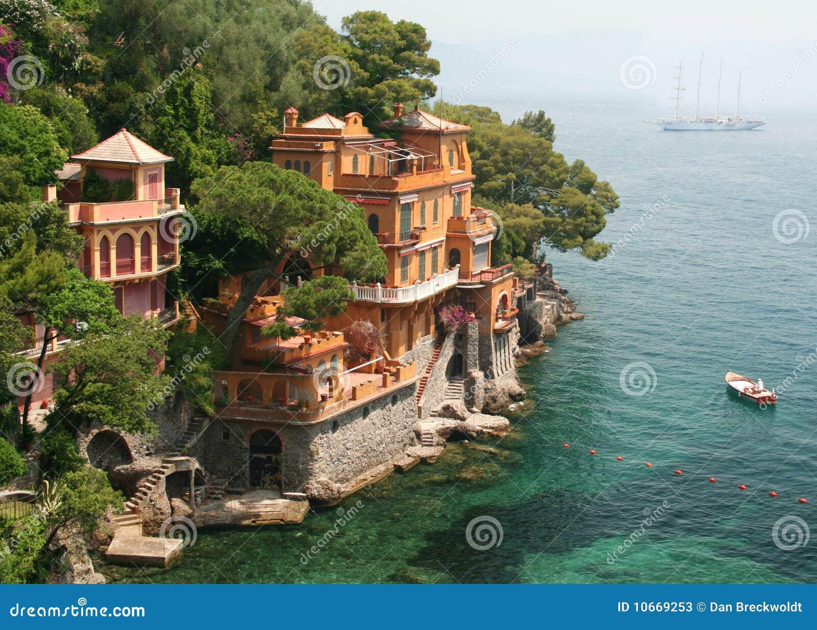 Le ville di spiaggia si avvicinano a portofino italia for Ville in italia