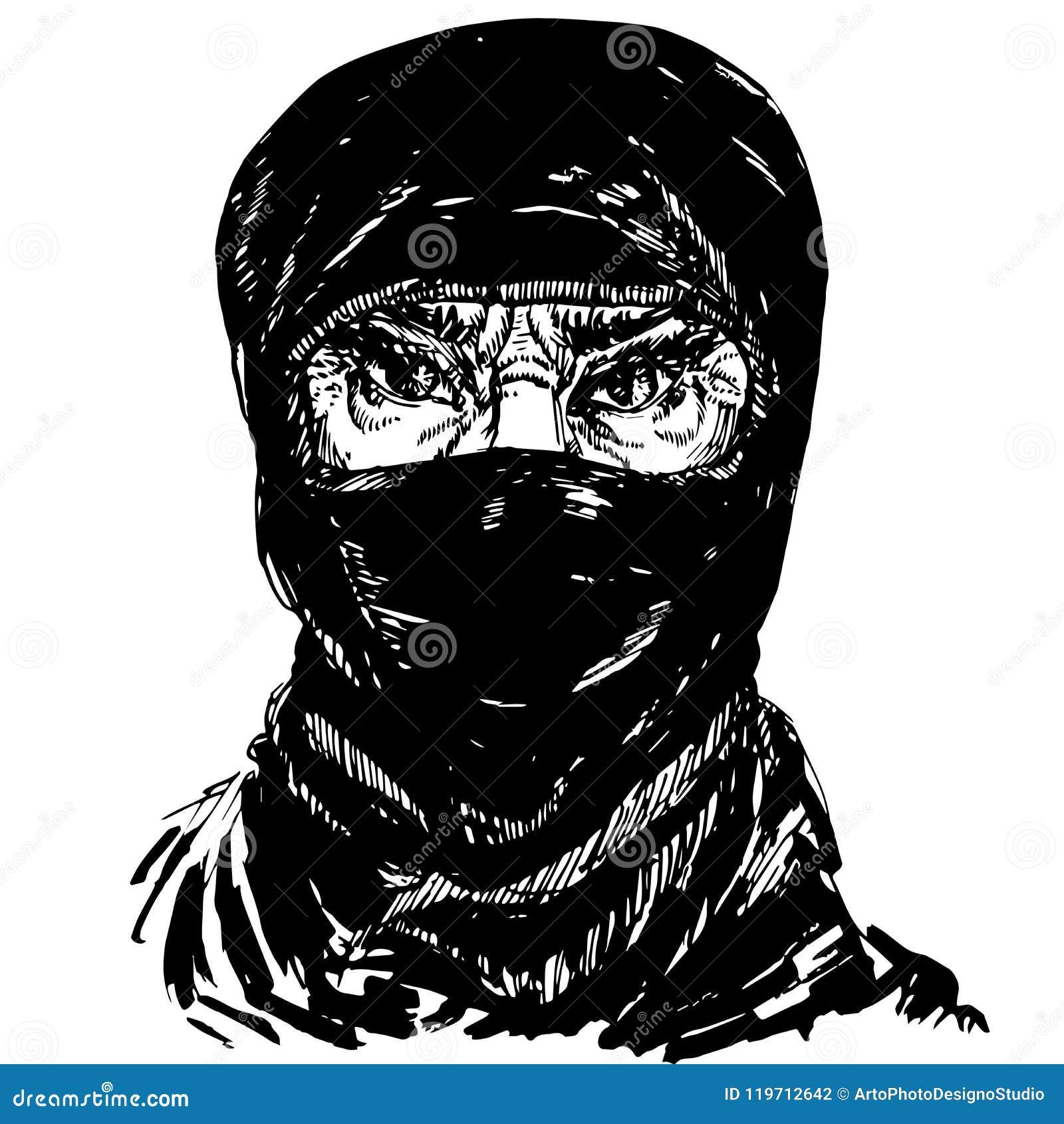 Le visage de la vieille femme musulmane avec les sourcils de froncement de sourcils fâchés, visage caché dans un foulard noir
