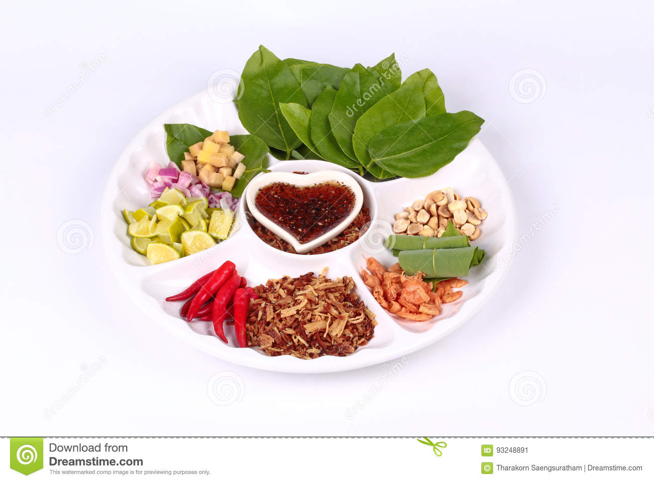 Leaf-Wrapped Bite-Size Appetizer, Miang