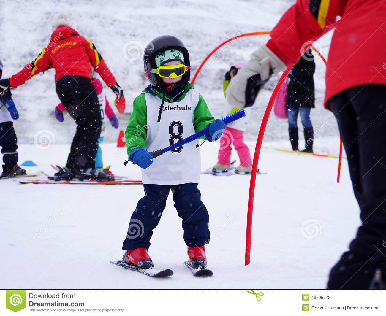 Ask a Snowmama: Should my 9 year old learn to ski or ...