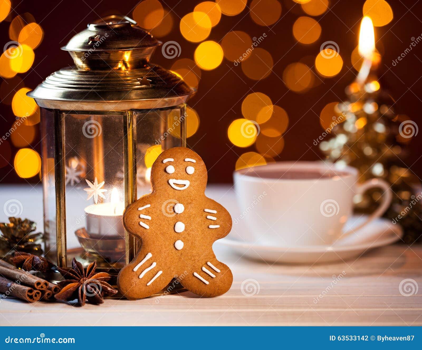 lebkuchen und tasse kaffee auf weihnachten stockfoto. Black Bedroom Furniture Sets. Home Design Ideas