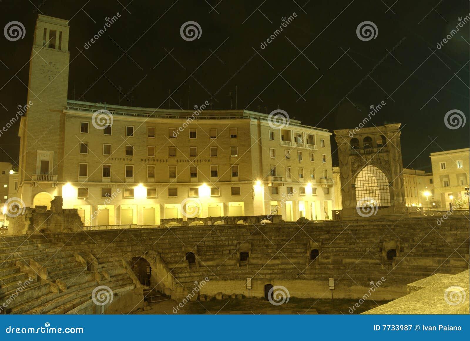 Lecce entro la notte, amphitheatre romano