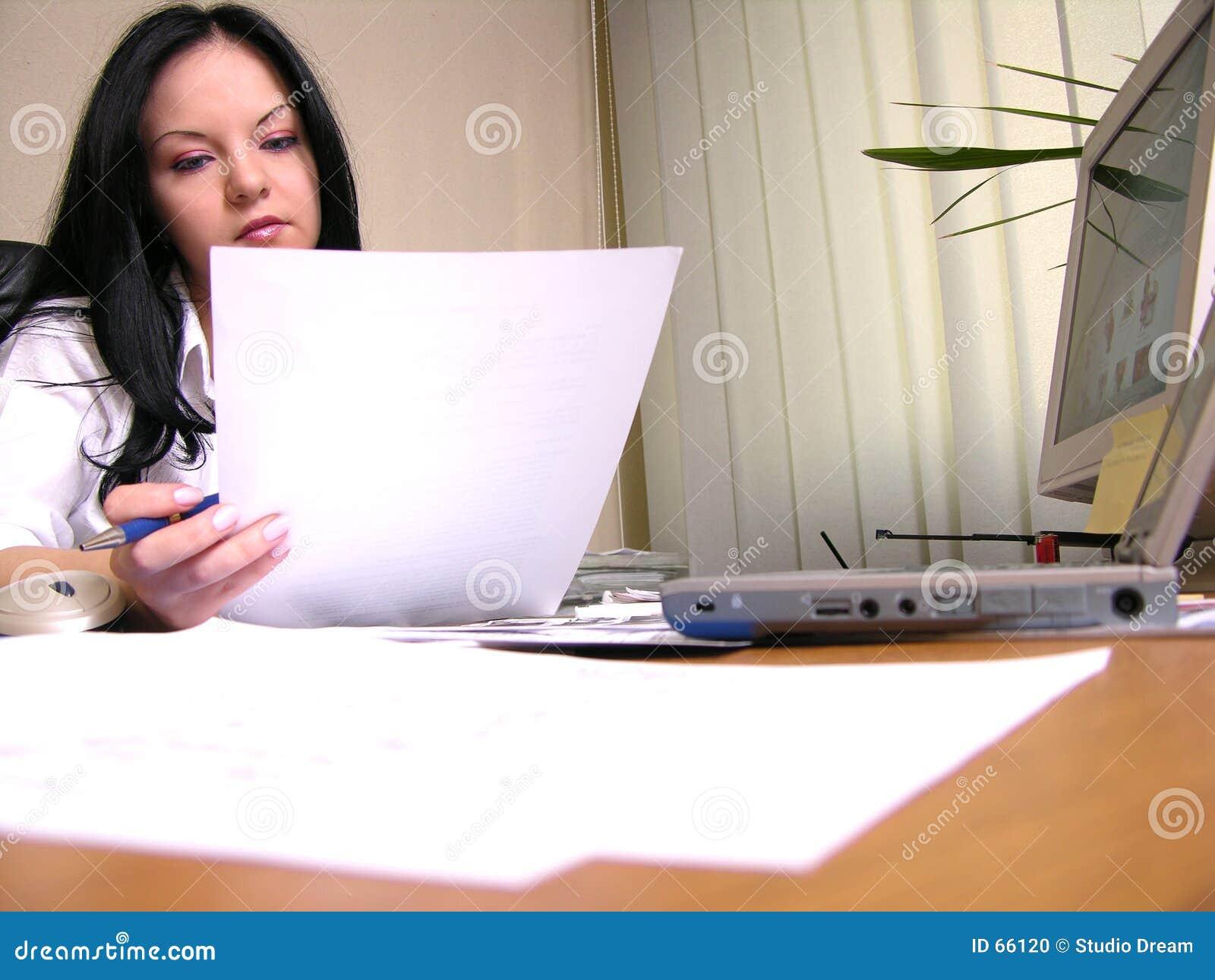 Lectura del contrato
