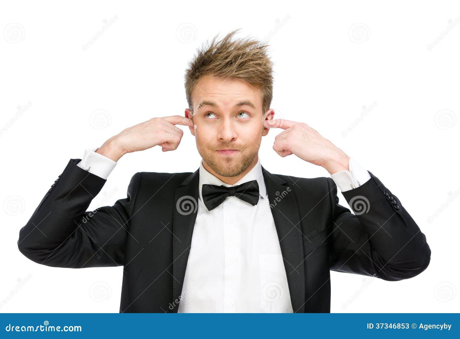 Ledaren stänger hans öron