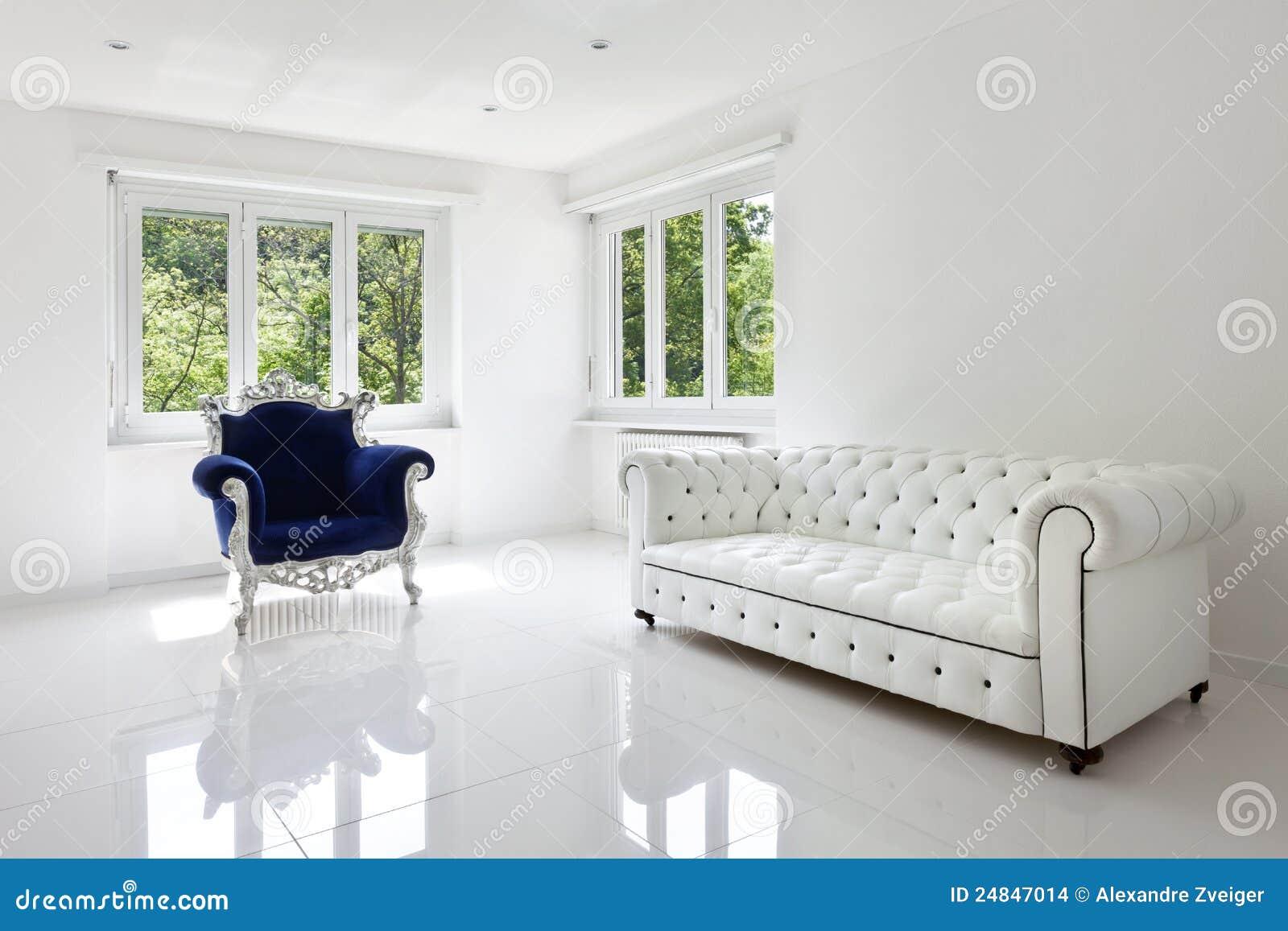 Ledernes Sofa, Lehnsessel klassisch
