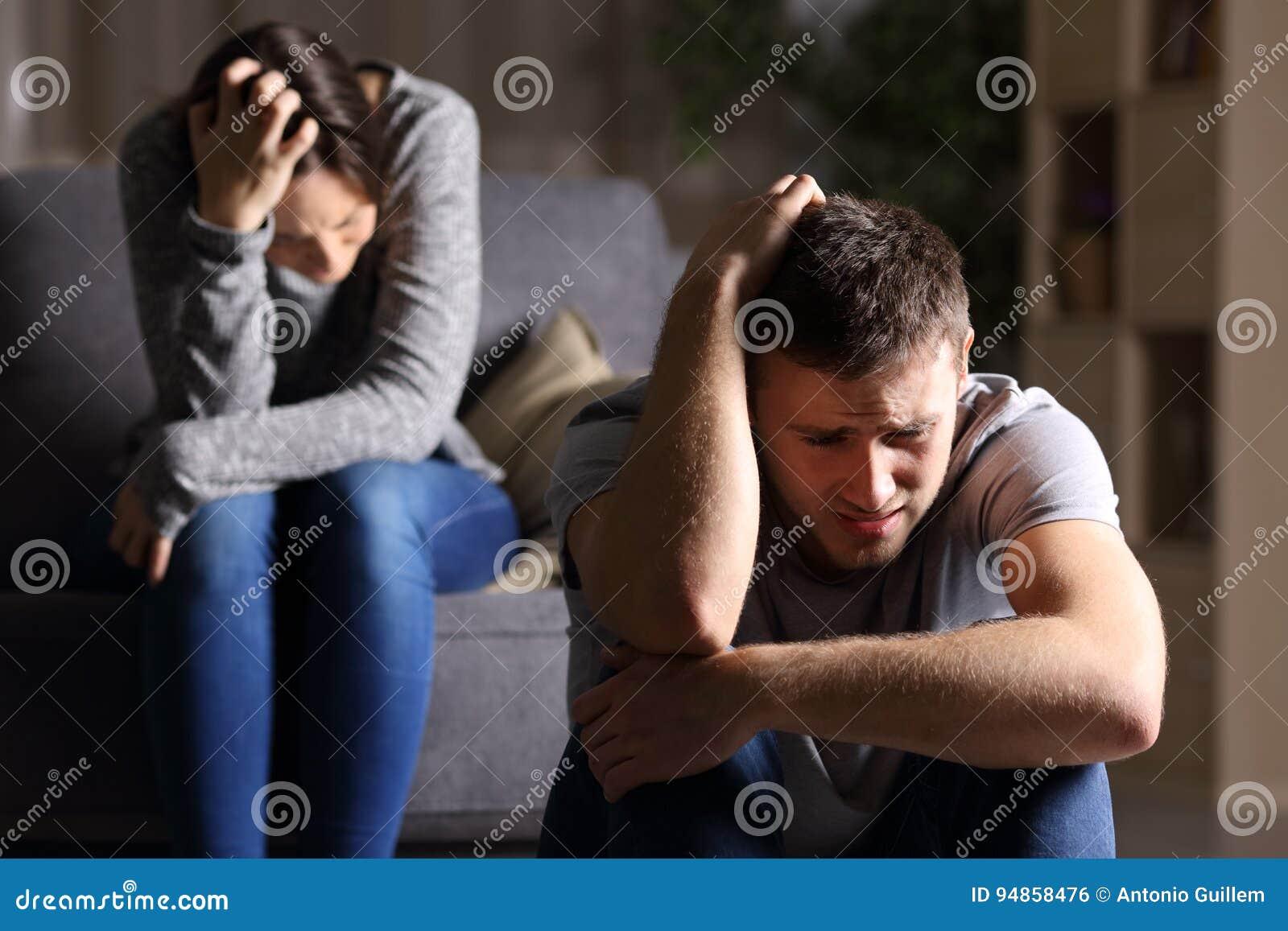 Ledsna par, når avbrott upp