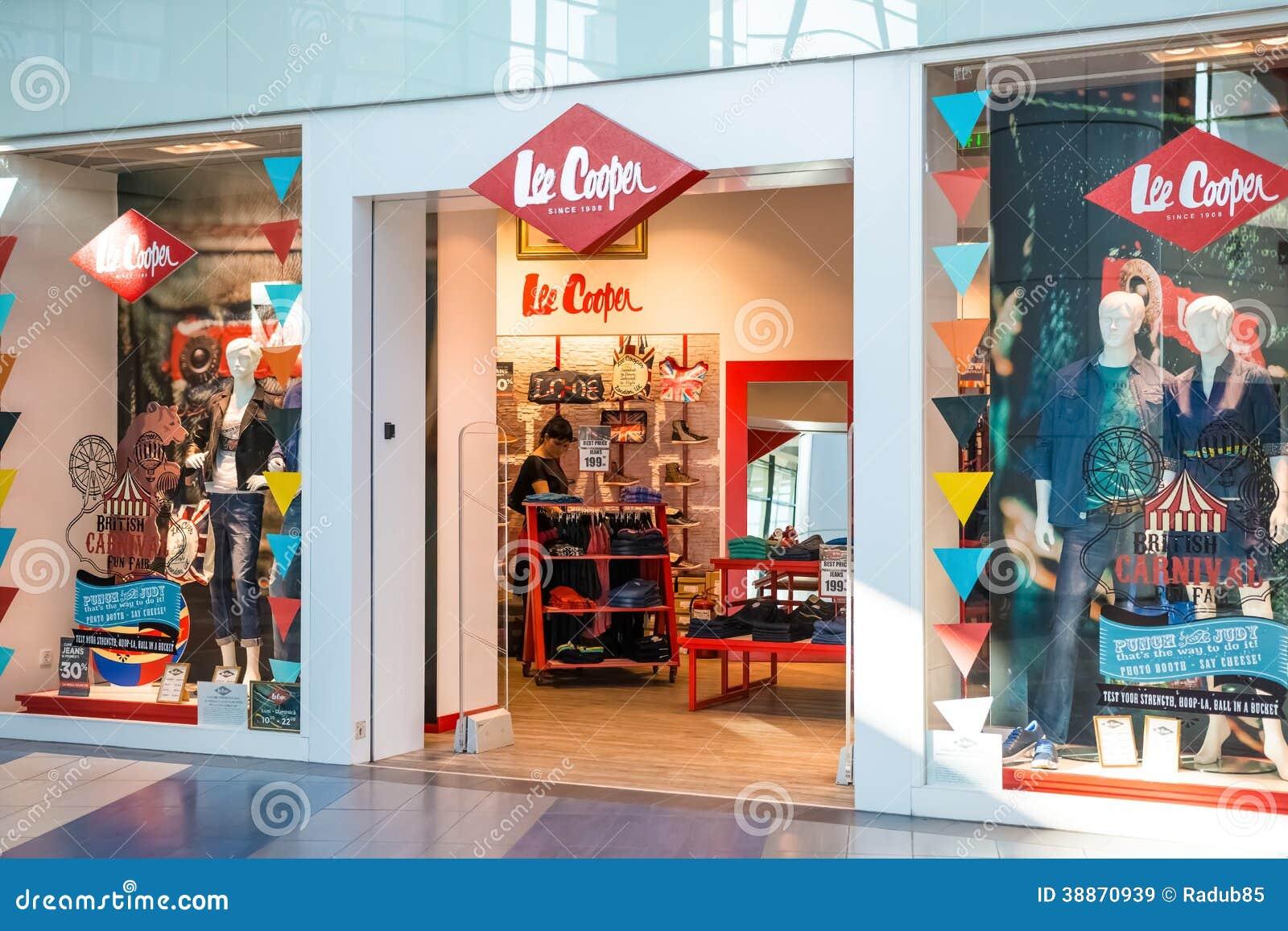 Splash clothing store. Cheap clothing stores