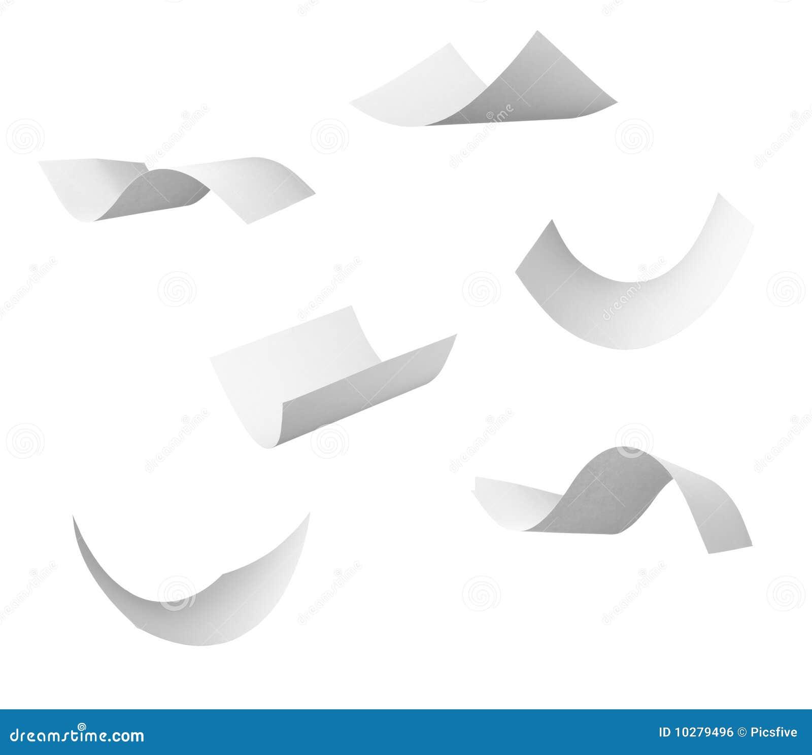 Leeg kruldocument dat in wind vliegt
