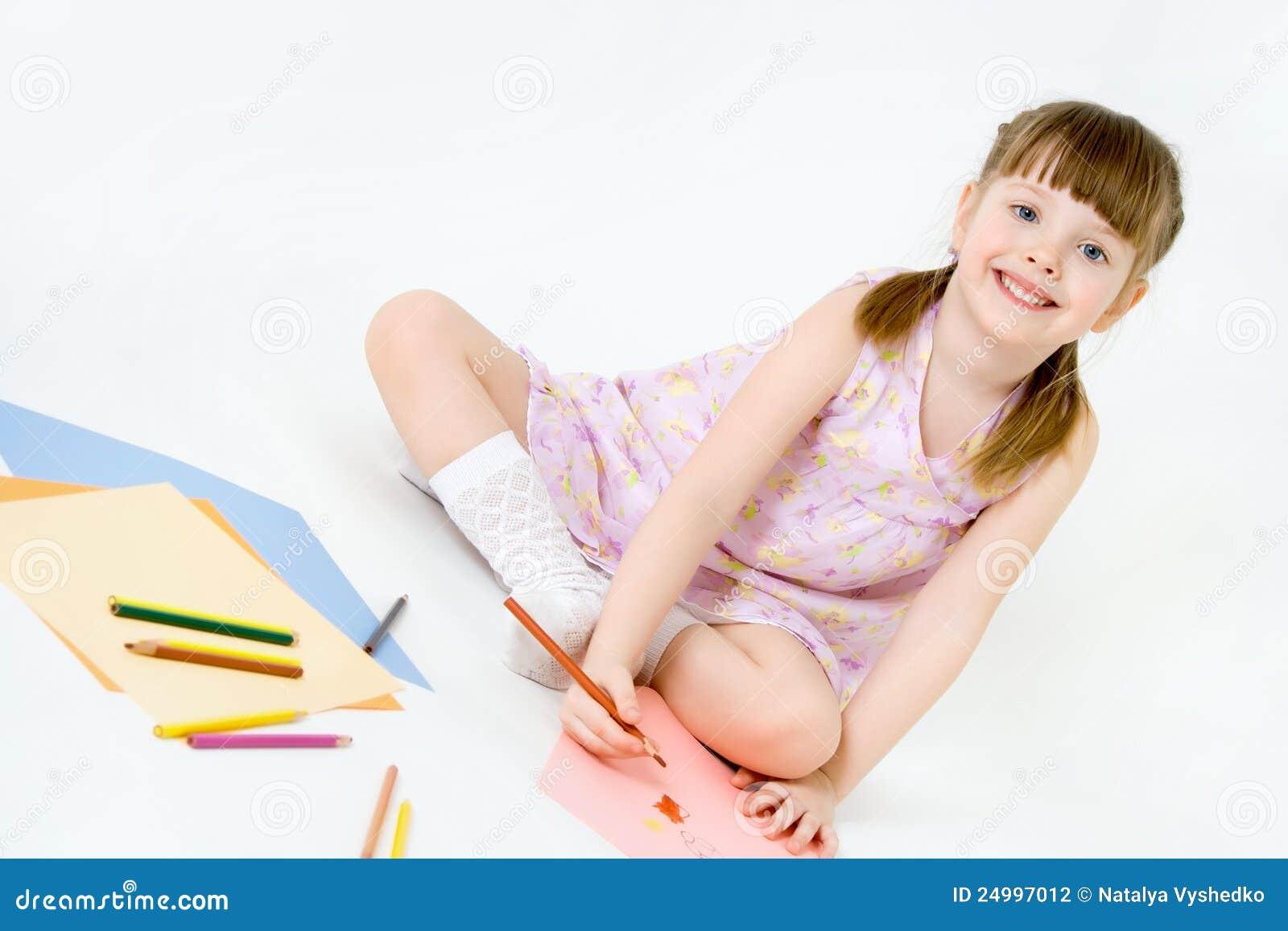 Leende för draw för färgrika crayons för barn gulligt