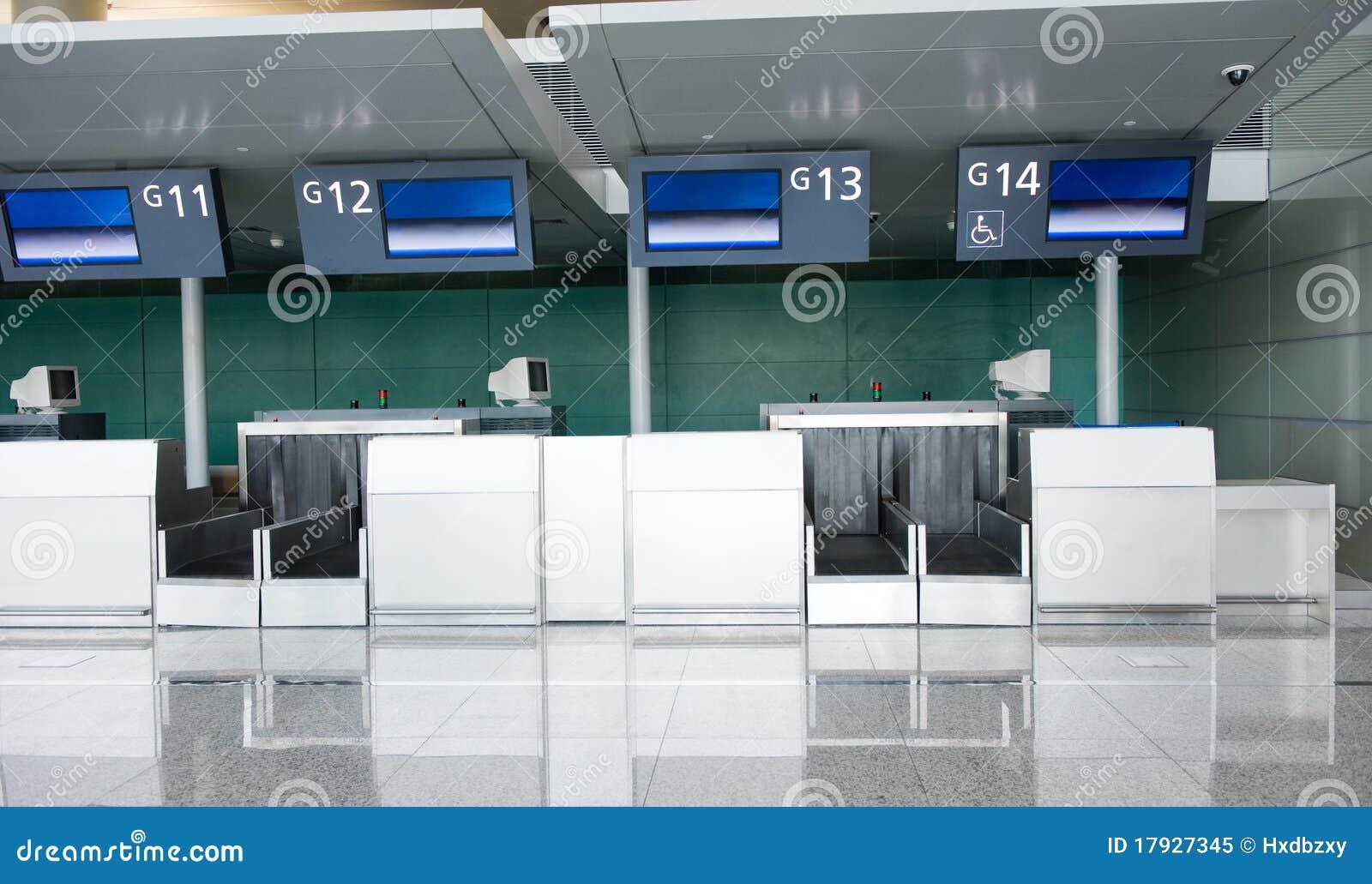 Leere Flughafenabfertigung