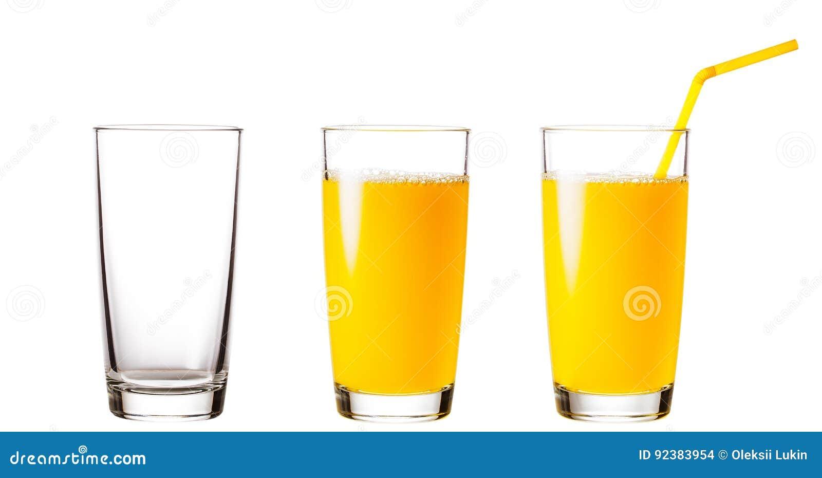 Leere und volle Gläser mit Orangensaft
