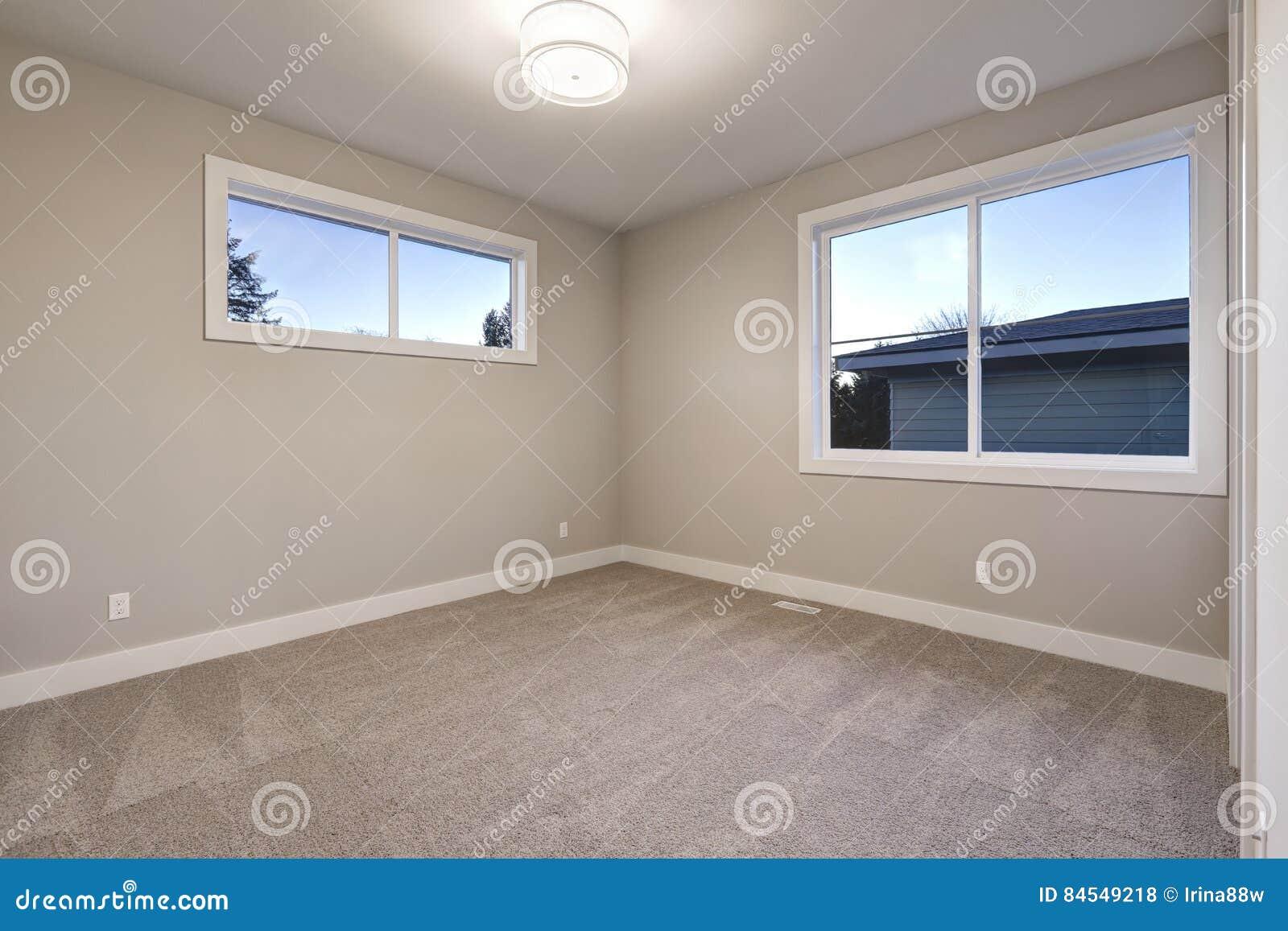 Leerer Rauminnenraum Mit Grauen Wänden Malt Farbe Stockfoto - Bild ...