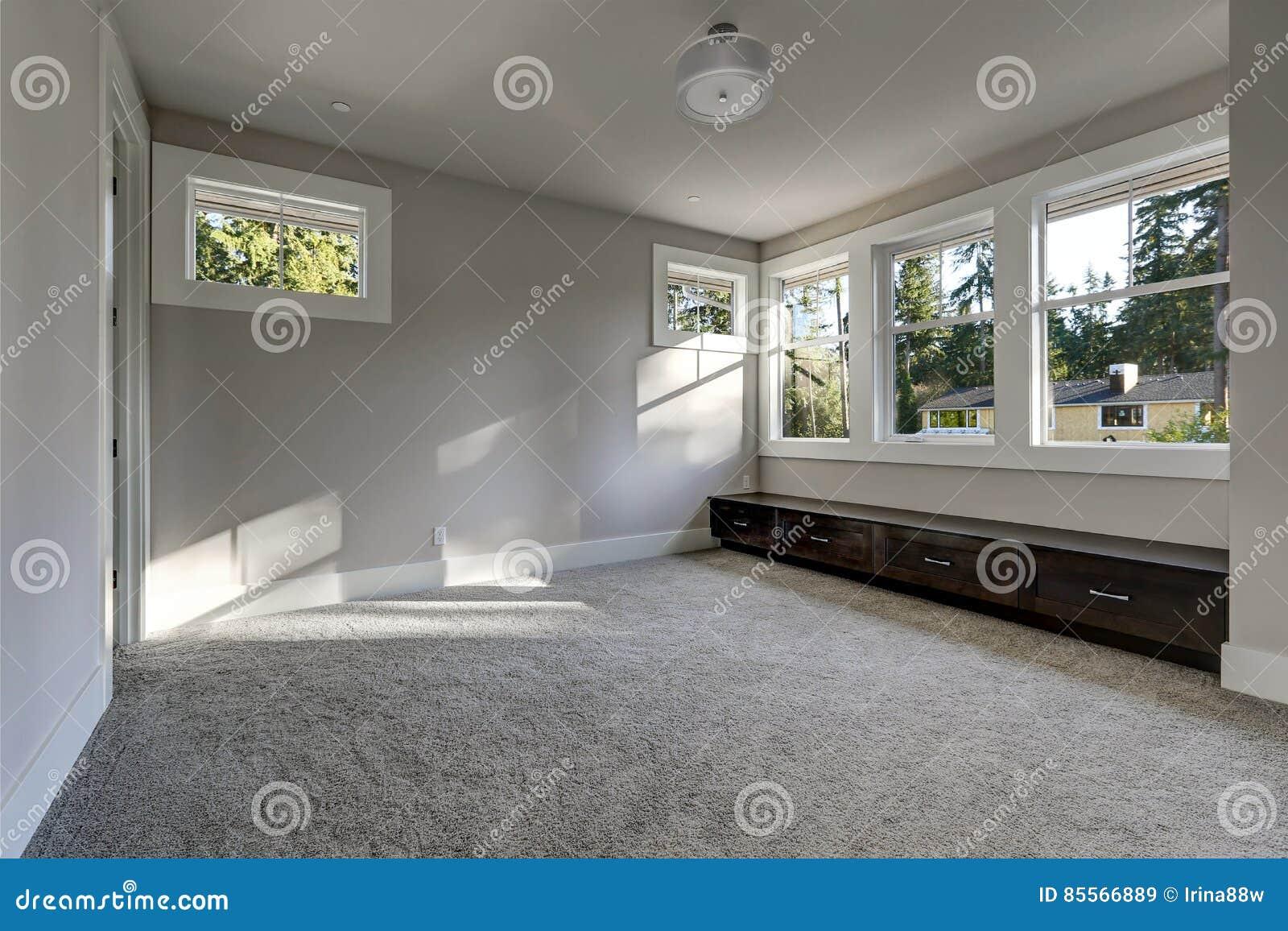 Leerer Rauminnenraum Mit Grauen Wänden Malt Farbe Stockbild - Bild ...