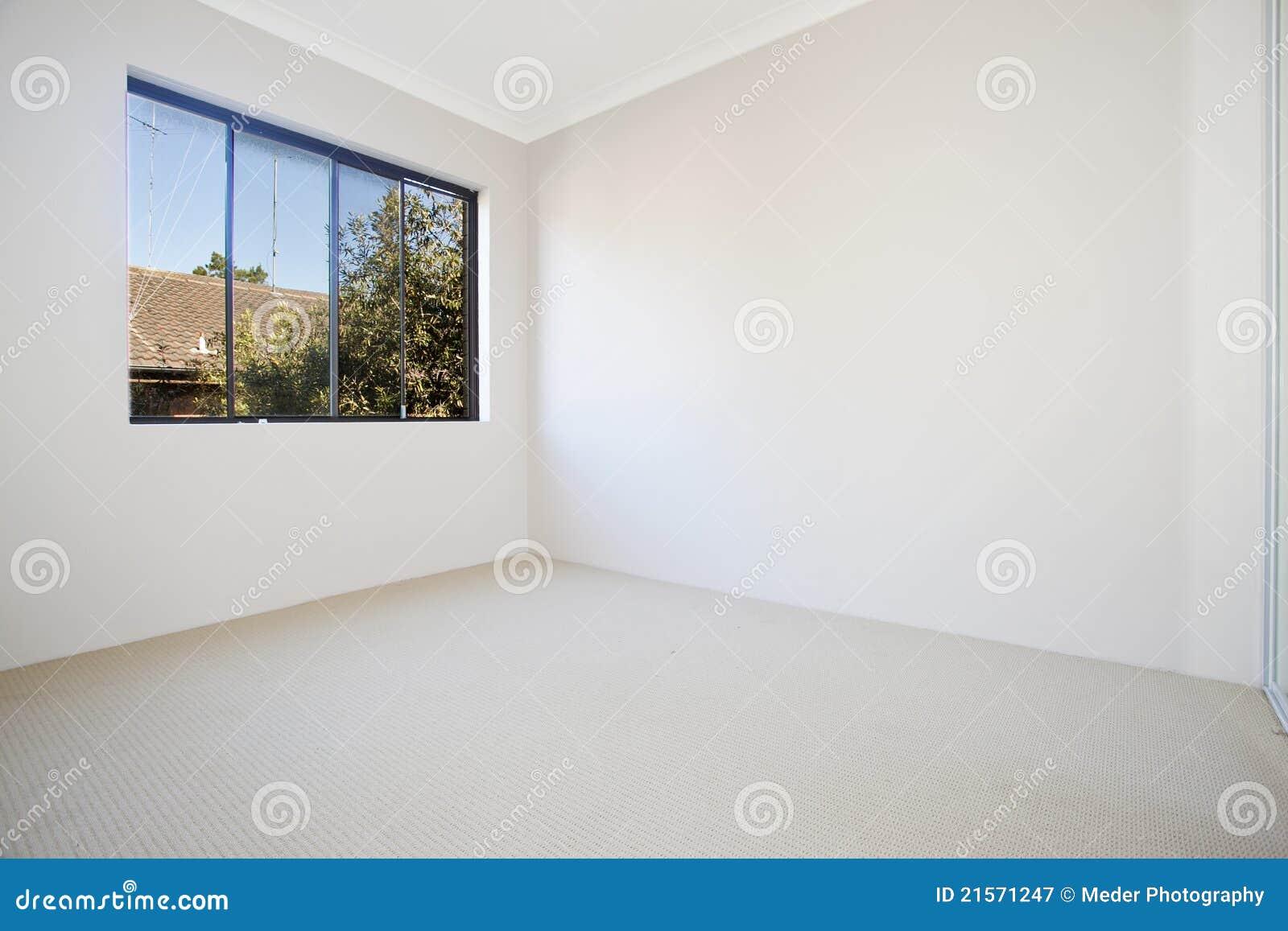Leerer weißer Raum