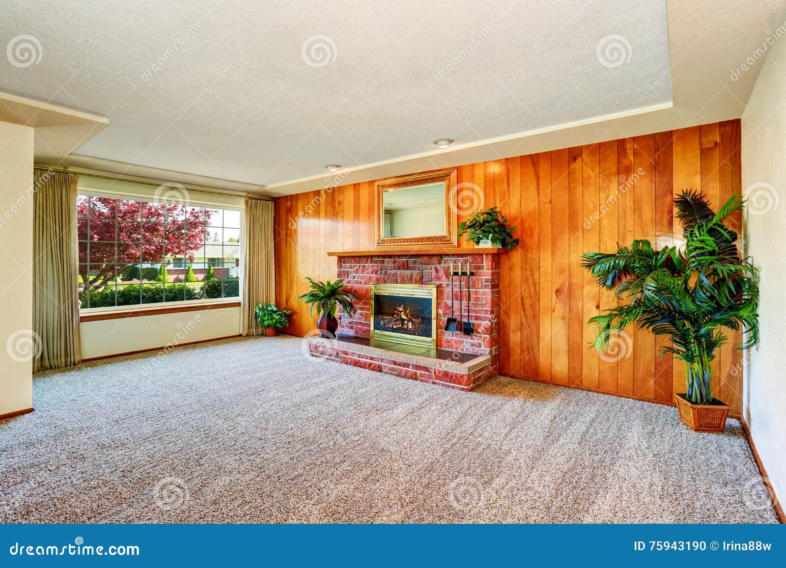 Download Leeres Wohnzimmer Mit Täfelungswand Und  Kamin Stockfoto   Bild  Von Real, Leer: