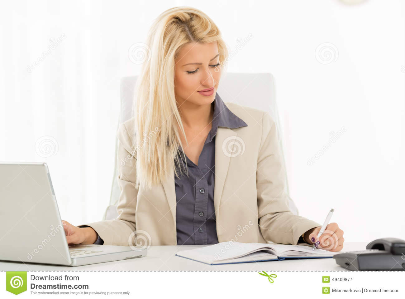 Left Handed Businesswoman Stock Image Image Of Horizontal