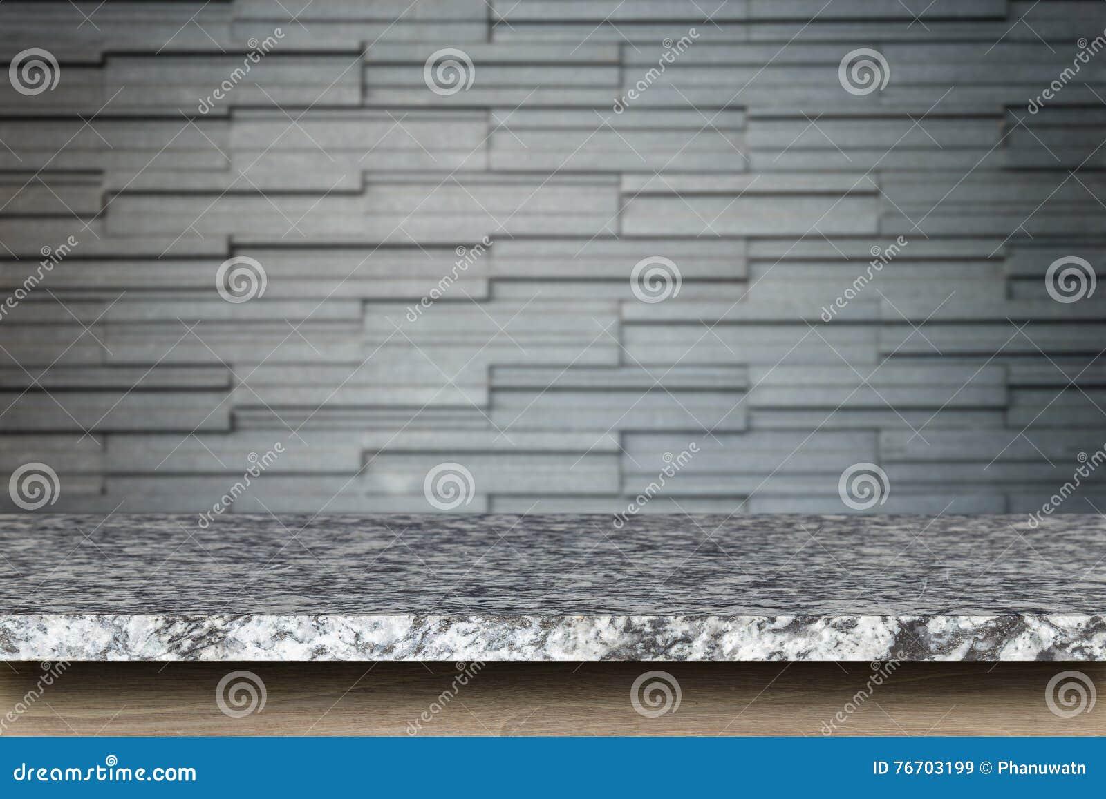 Lege bovenkant van natuursteenlijst en de achtergrond van de steenmuur