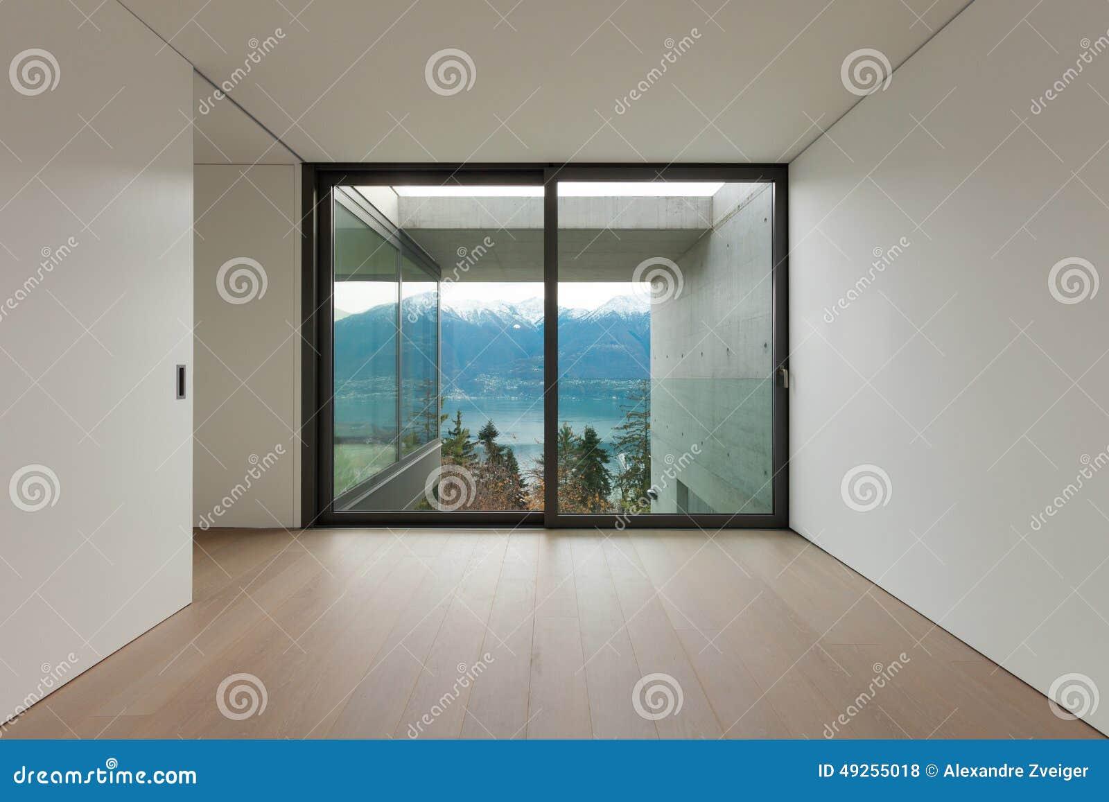 Lege flat, ruimte met venster