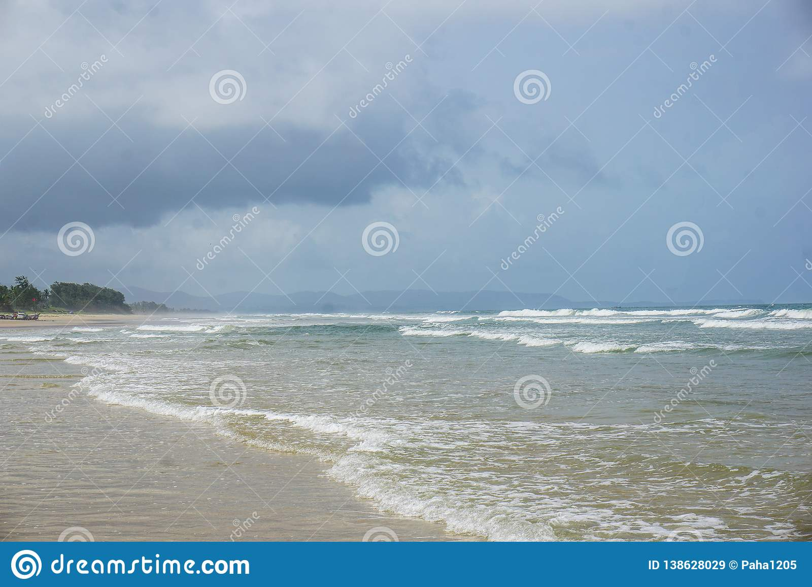 Lege stranden in het dorp van Arambol Goa, India