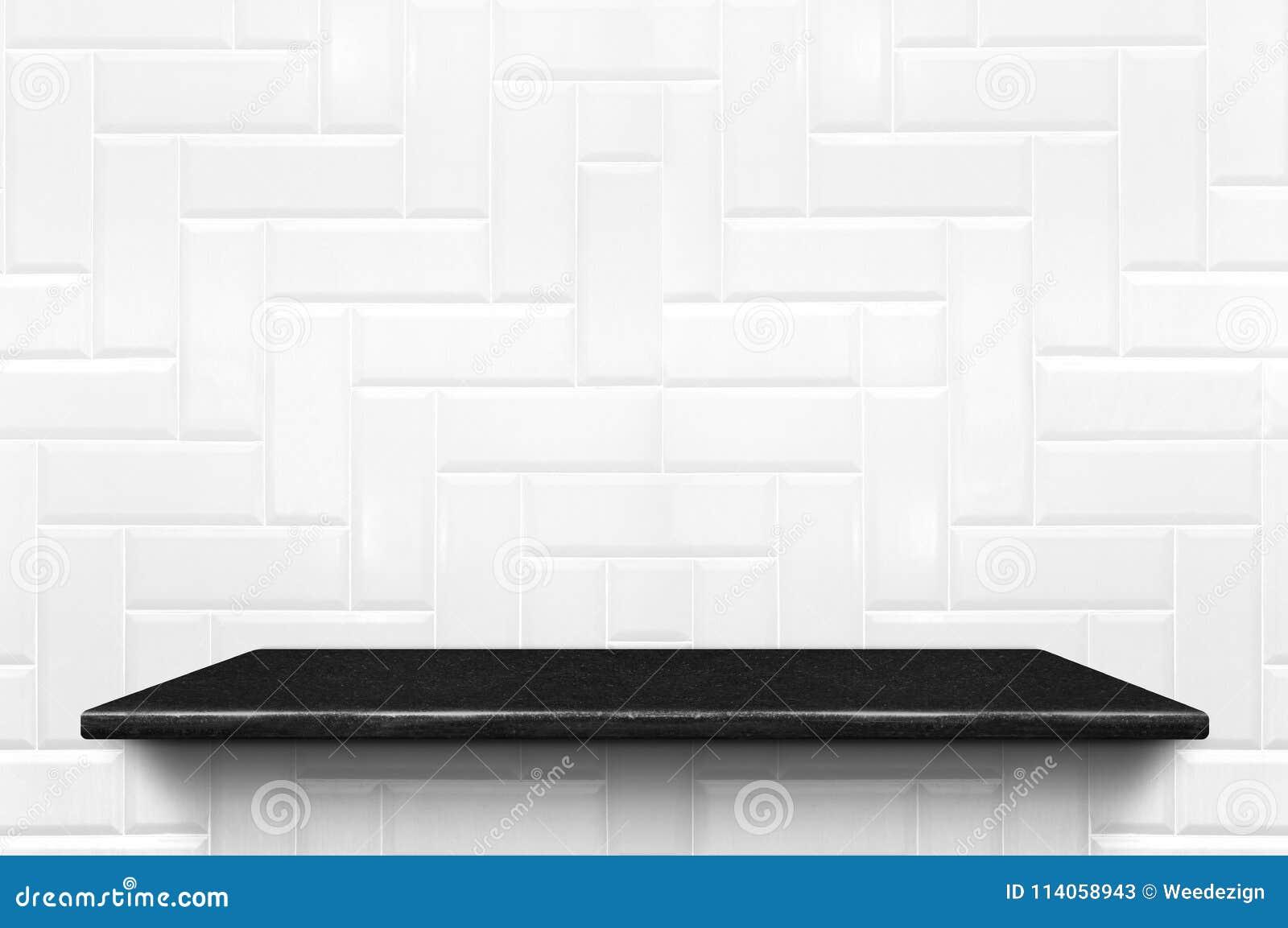Lege zwarte marmeren plank bij witte het patroonrug van de