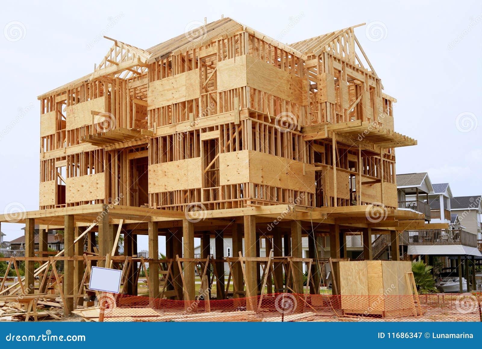 Legno americano della struttura della casa di contruction di legno fotografia stock libera da - Casa americana in legno ...