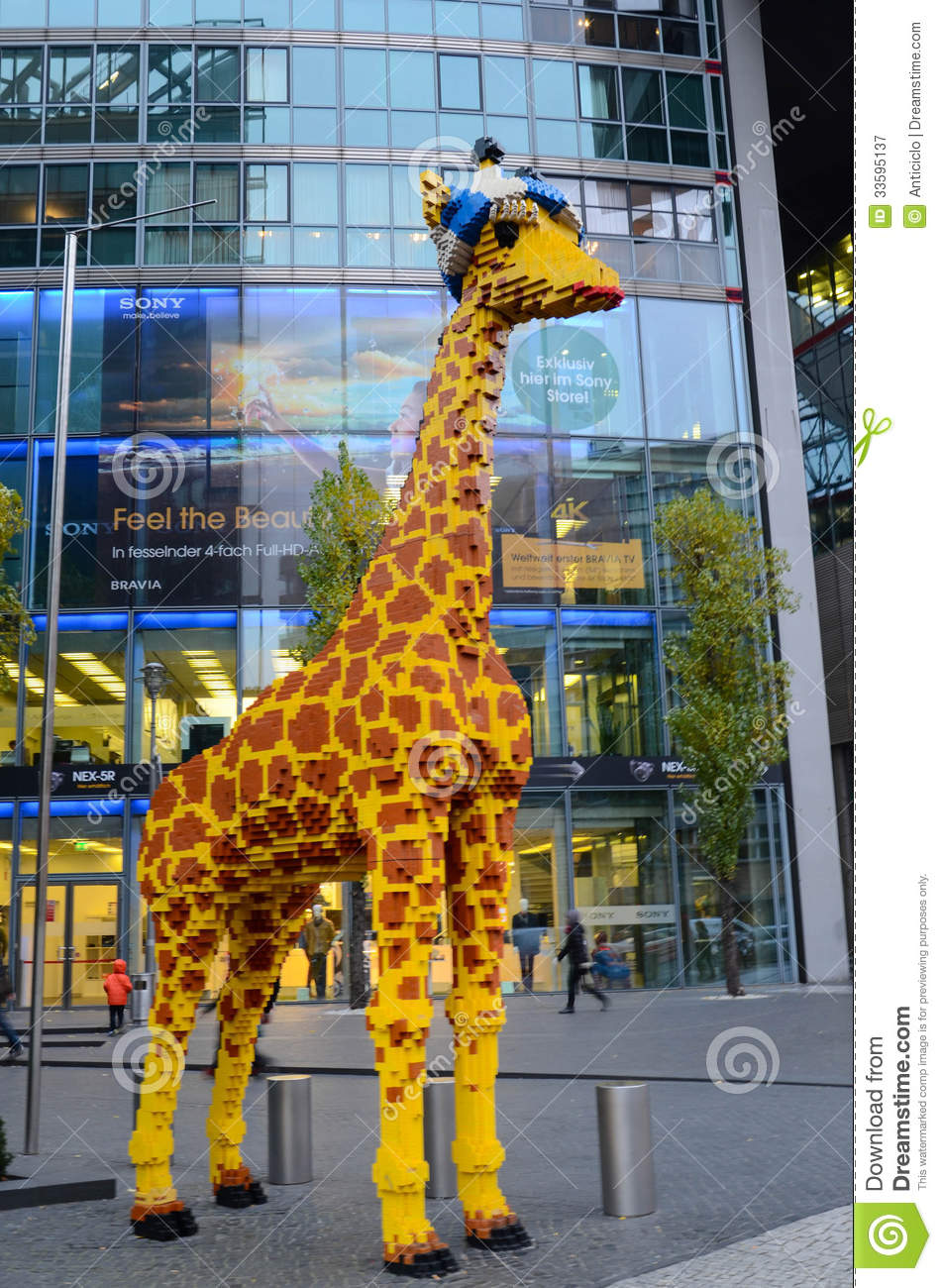 lego giraffe in berlin editorial photography image of blue 33595137. Black Bedroom Furniture Sets. Home Design Ideas