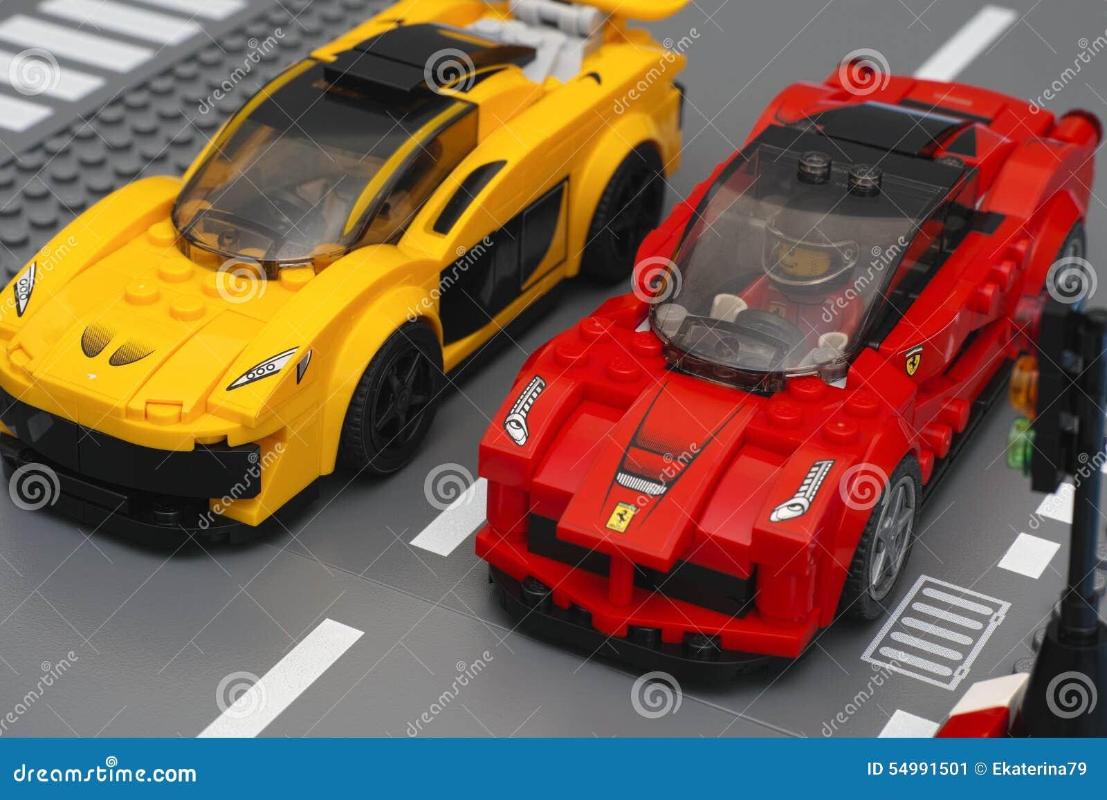 Lego LaFerrari och Lego McLaren P1 bilar