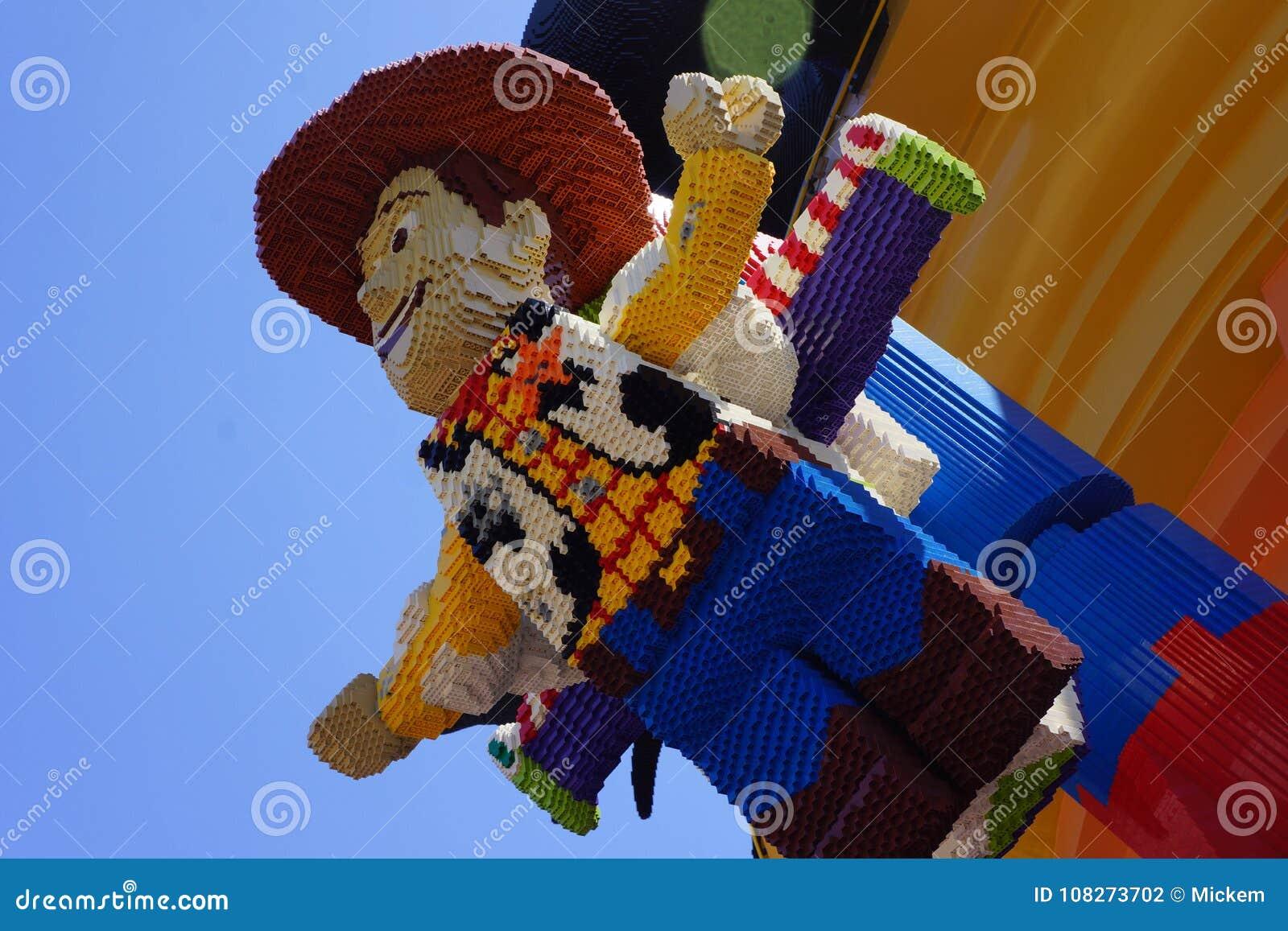 Lego Postacie Odrewnialy I Brzeczenie Lekki Rok Od Toy Story