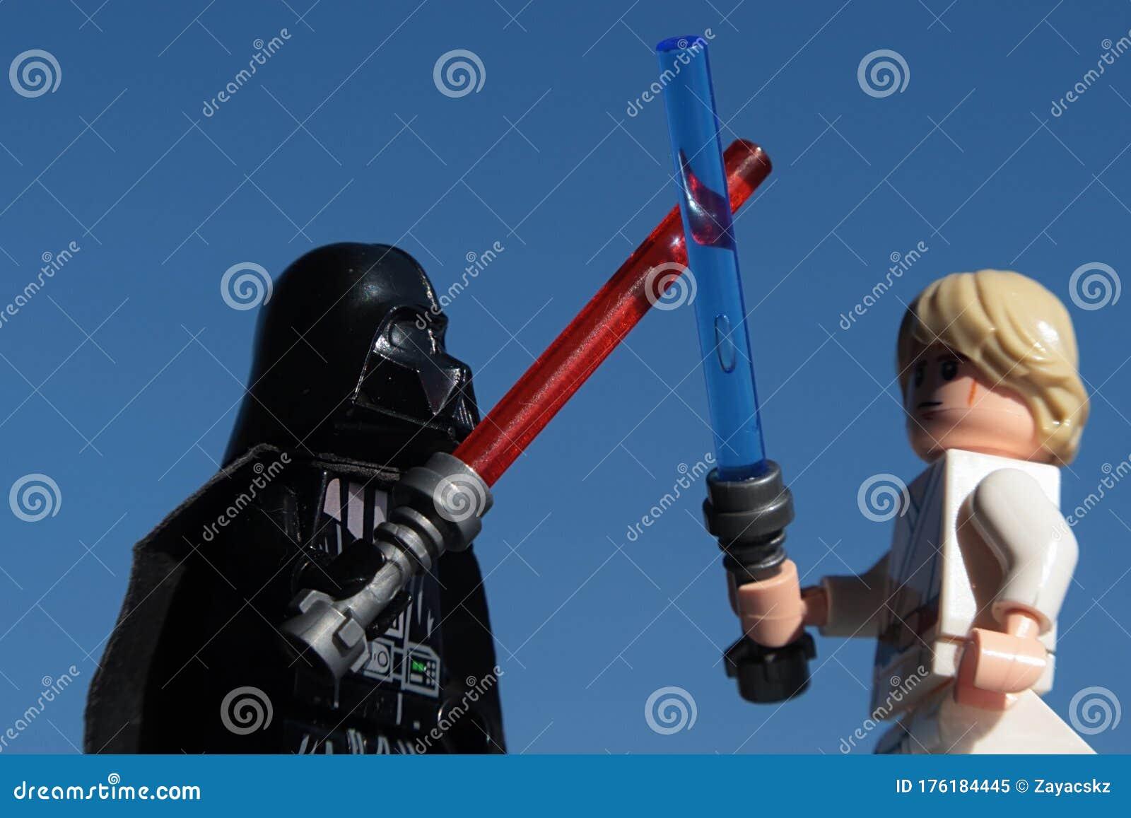 lego star wars figures luke skywalker darth vader fighting lightsabers lego star wars figures luke skywalker 176184445