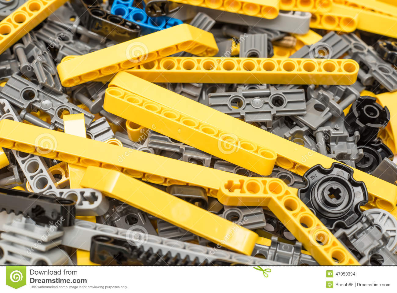 lego technic pieces pile close omhoog redactionele stock afbeelding afbeelding 47950394. Black Bedroom Furniture Sets. Home Design Ideas