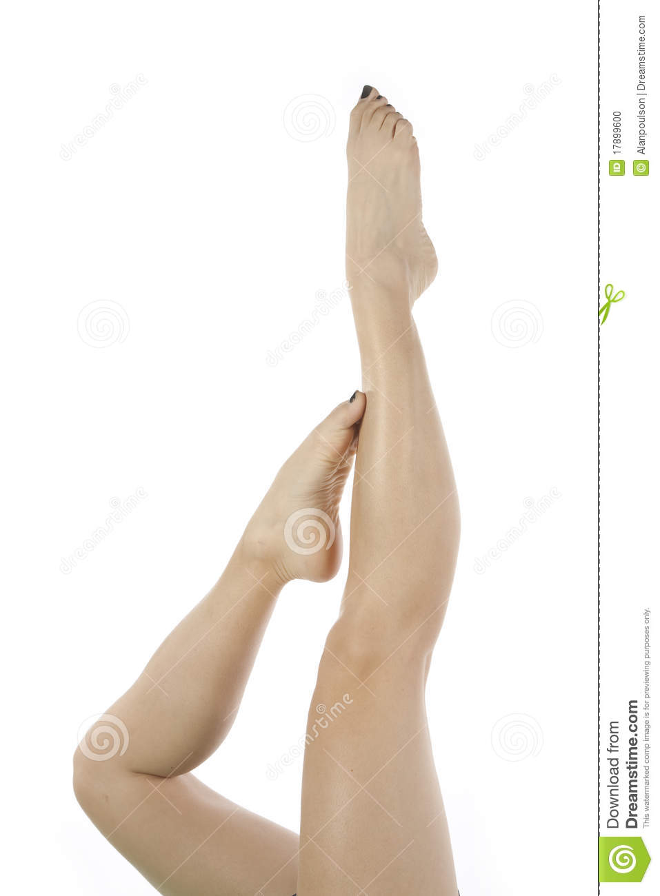 legs-toes-pointed-woman-17899600.jpg