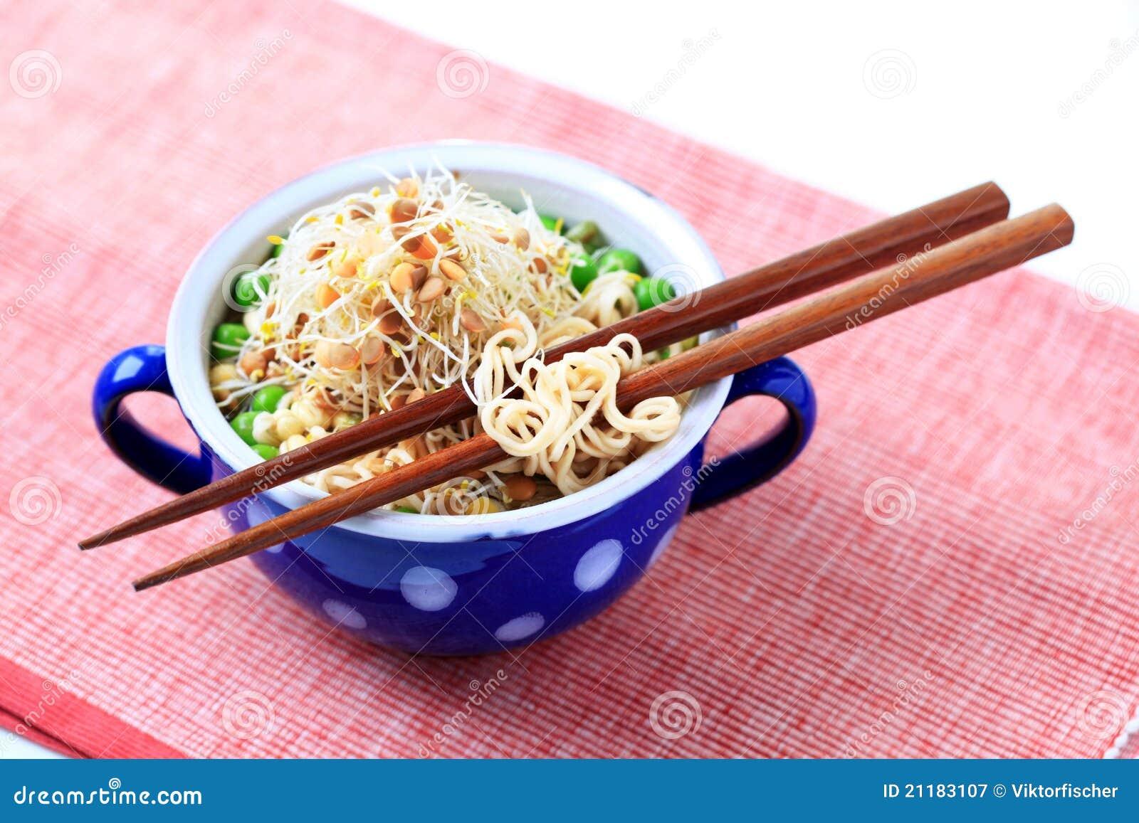 Legume soup with noodles