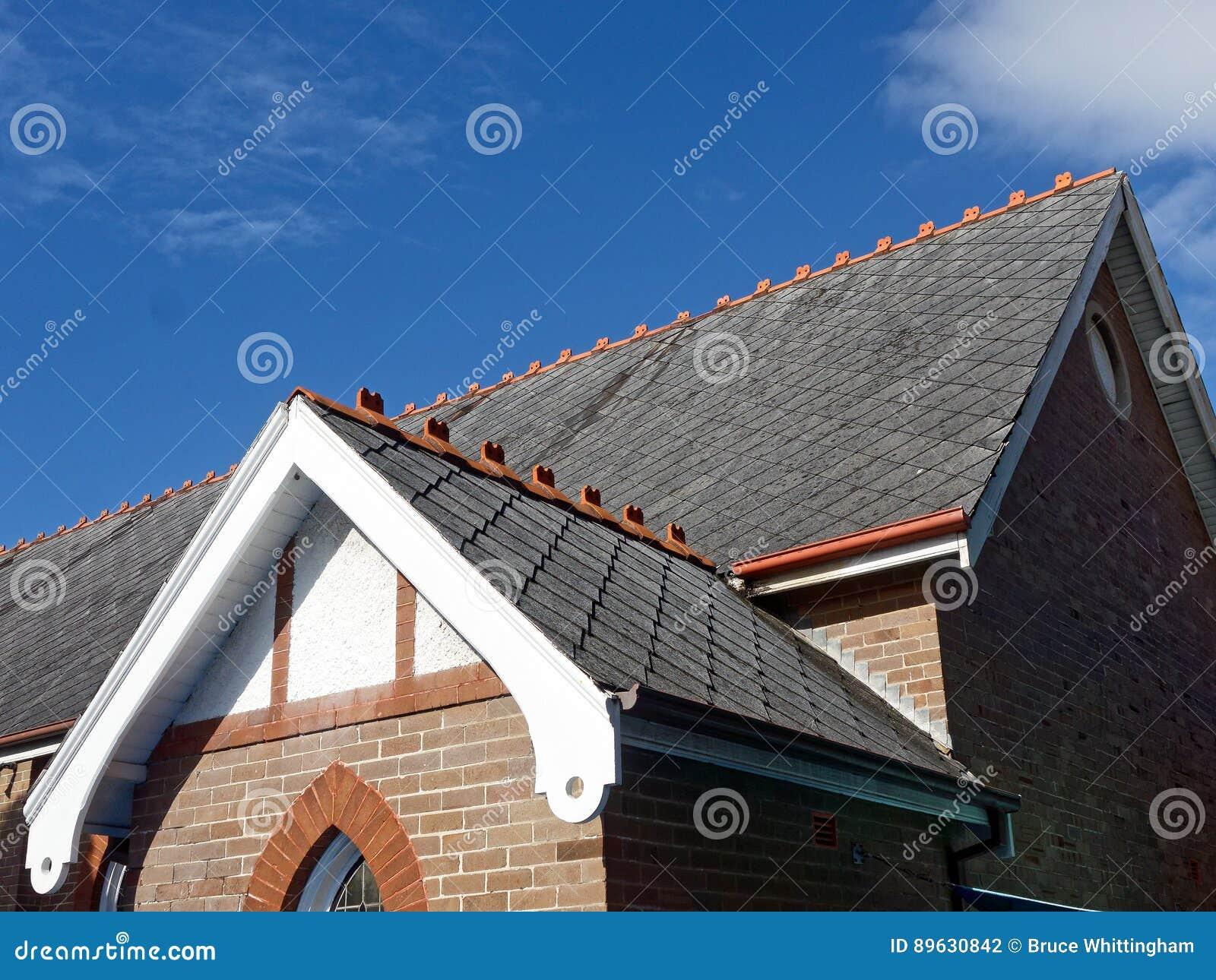 Lei Betegeld Dak op Oude Kerk