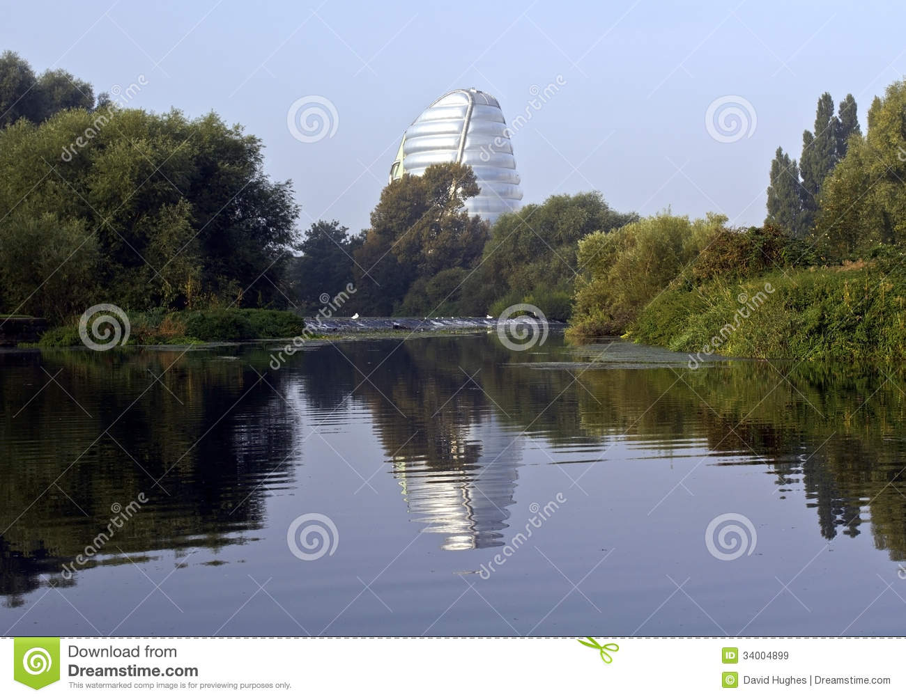 Leicester Space Centre Reflected In The River Soar Royalty
