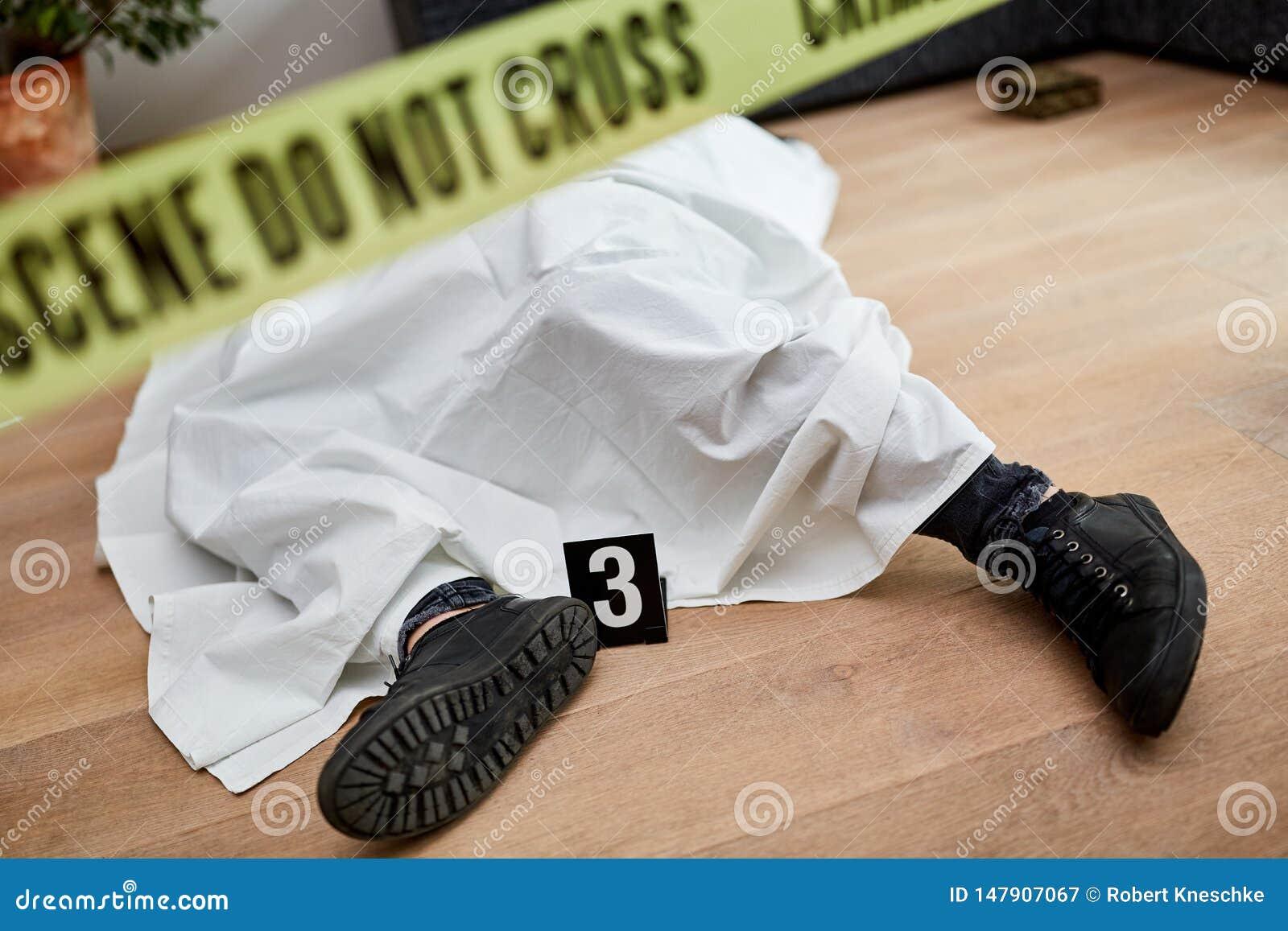 Leiche nach Mord an der Szene