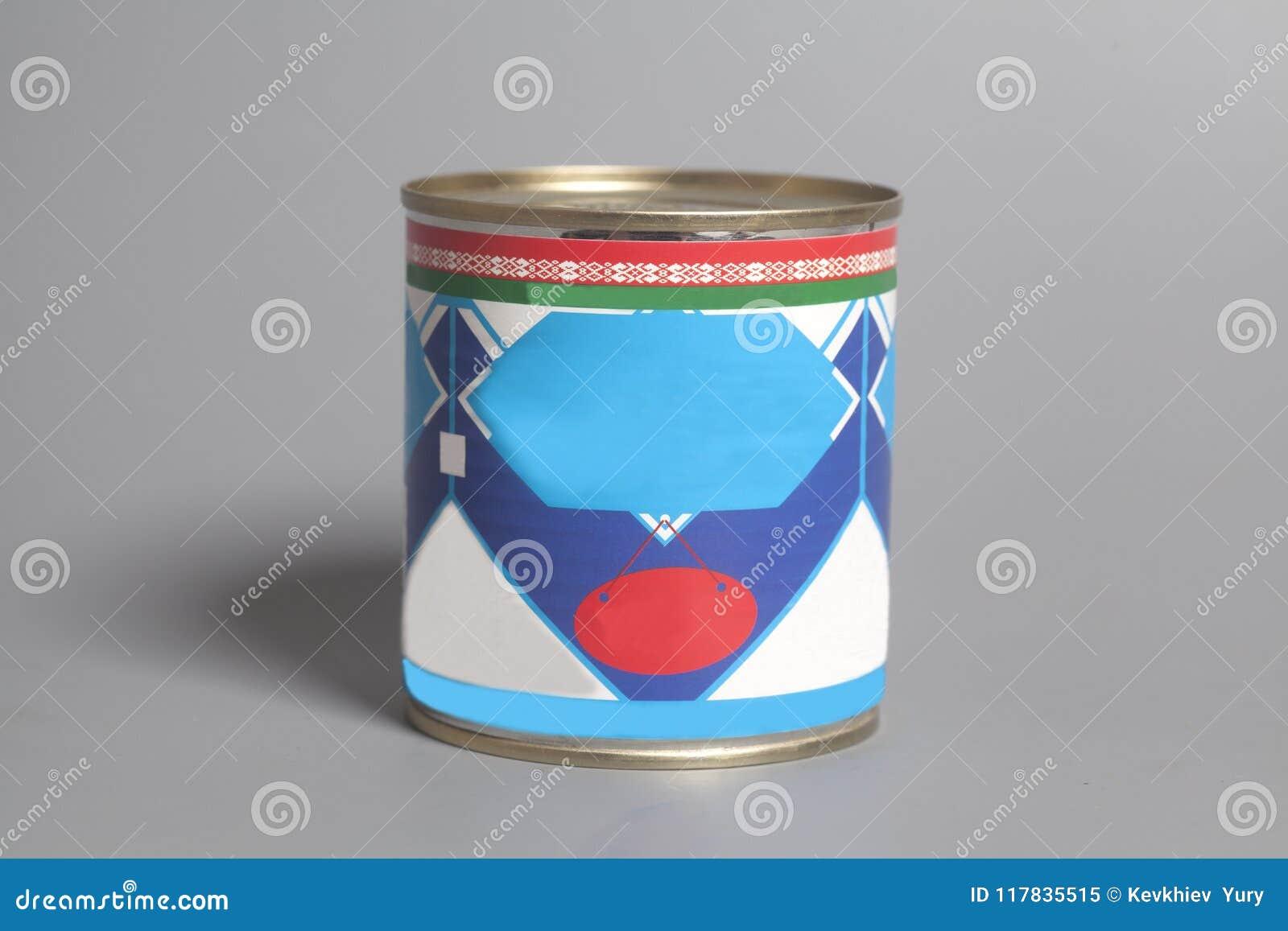 Leite condensado na lata de lata