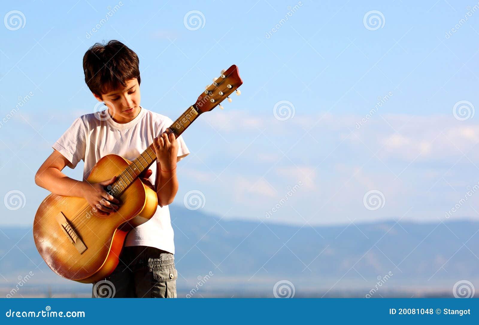 Leka för pojkegitarr