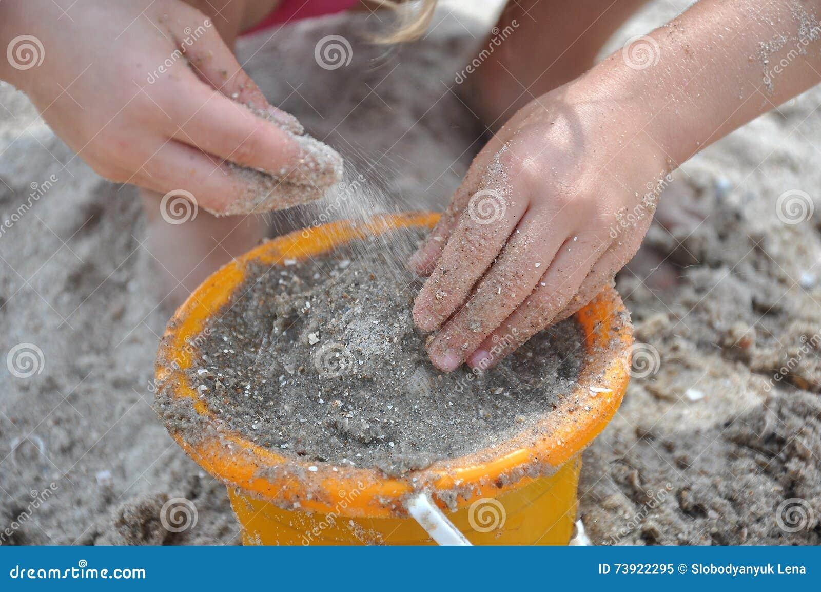 Leka sand för barn