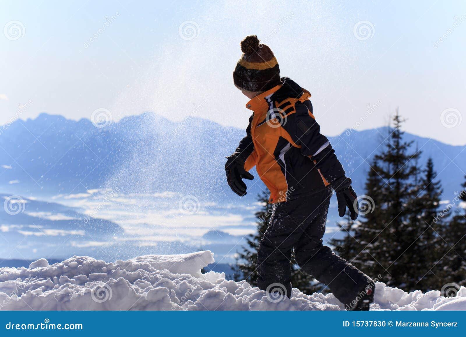 Leka snow för pojke