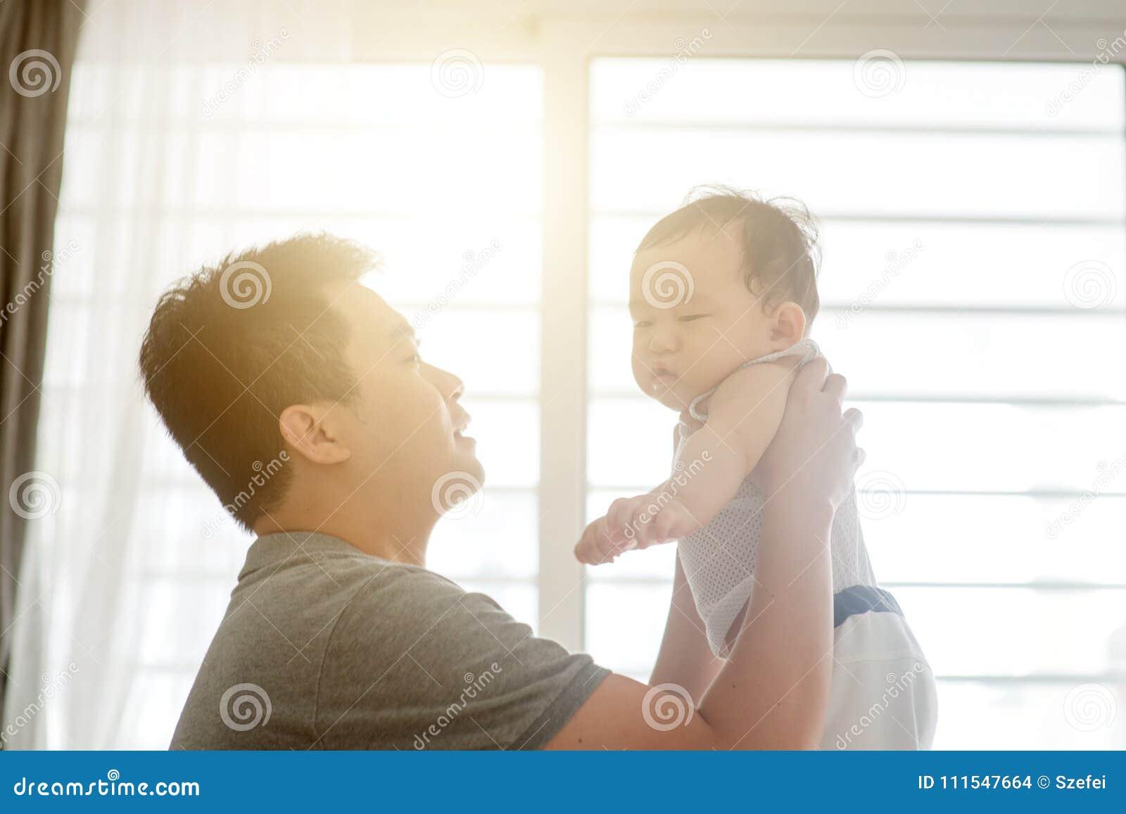Leka son för fader