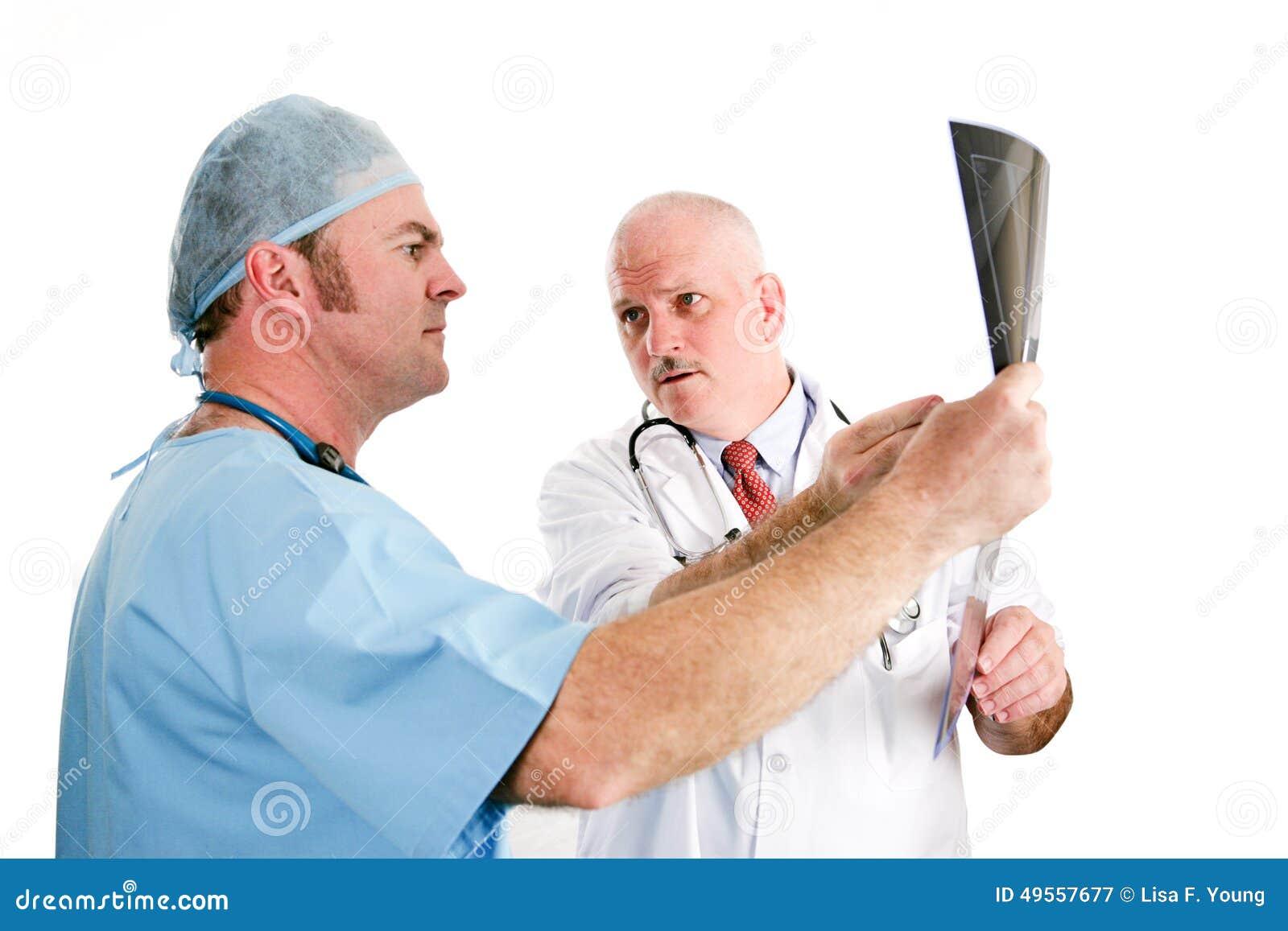 Lekarki Dyskutuje promieniowania rentgenowskie