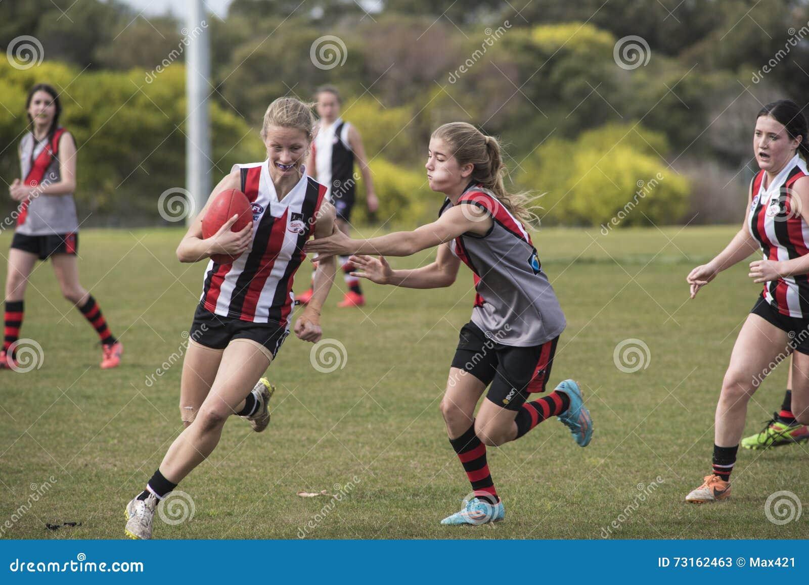 Lekaustraliern för unga kvinnor härskar fotboll