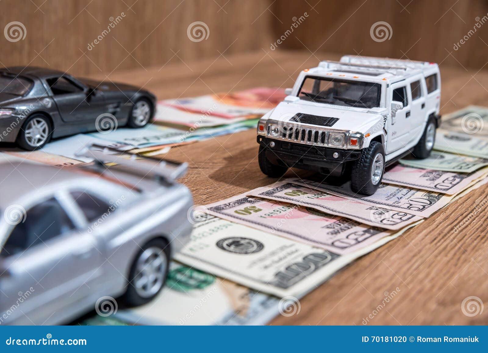 Leksakbilar på pengarvägen