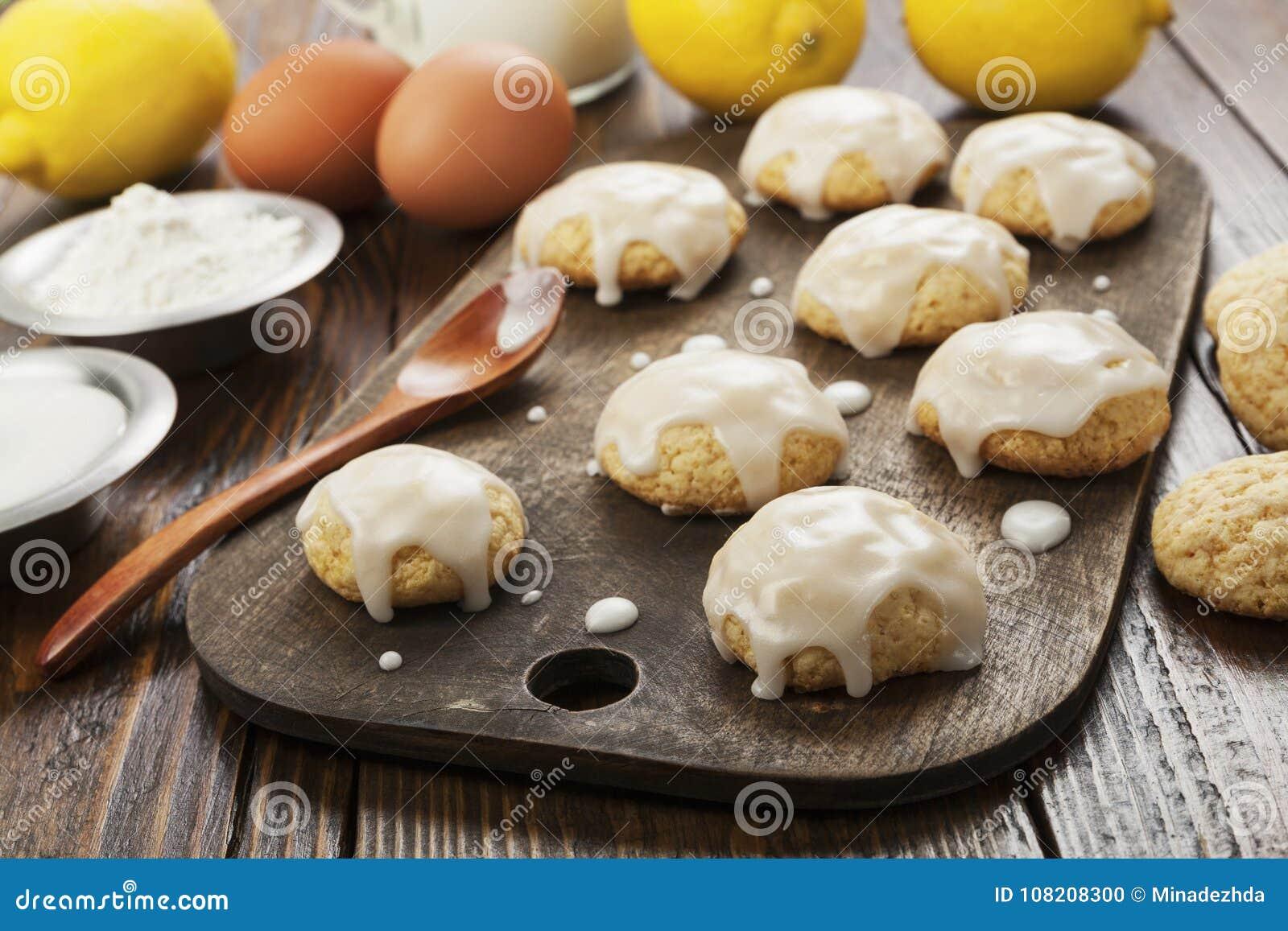 Lemon glaze cookies